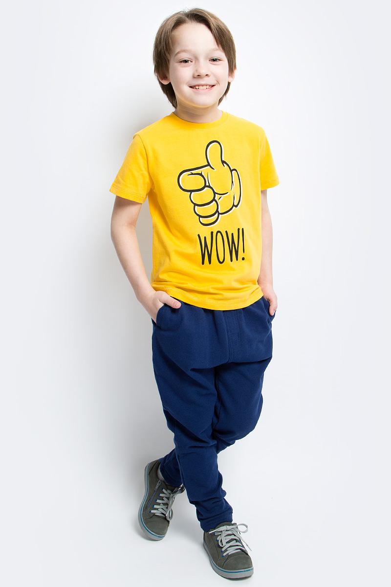 Футболка для мальчика PlayToday, цвет: желтый, черный. 171164. Размер 104171164Футболка для мальчика PlayToday выполнена из эластичного хлопка. Модель с круглым вырезом горловины и короткими рукавами оформлена оригинальным принтом.