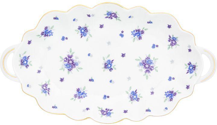 Блюдо для нарезки Elan Gallery Сиреневый туман, 26 х 14,5 х 2,5 см740340Блюдо для нарезки Elan Gallery Сиреневый туман, изготовленное из керамики, прекрасно подойдет для подачи нарезок, закусок и других блюд. Блюдо дополнено двумя удобными ручками и оформлено цветочным рисунком. Такое блюдо украсит сервировку вашего стола и подчеркнет прекрасный вкус хозяйки. Не рекомендуется применять абразивные моющие средства. Не использовать в микроволновой печи.Размер блюда по верхнему краю (с учетом ручек): 26 х 14,5 см.Высота блюда: 2,5 см.