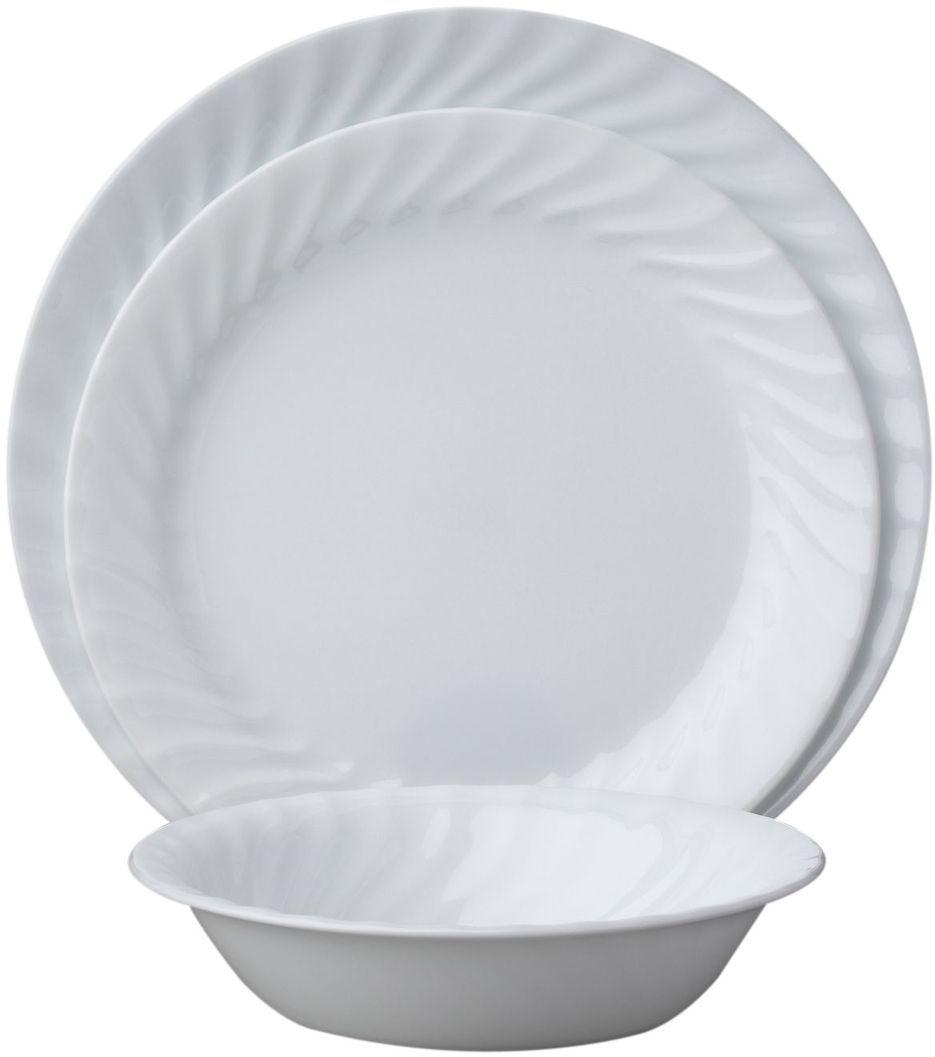 Набор столовой посуды Corelle Enhancements, 18 предметов. 10886311088631Посуда Corelle мирового бренда WorldKitchen сделана из материала Vitrelle. Стекло Vitrelle является экологически чистым материалом без посторонних добавок. Идеальный белый цвет посуды достигается путем сверхвысокой термической обработки компонентов. Vitrelle сверхпрочный материал, используемый для столовой посуды, изобретенный в начале 1970х в Соединенных Штатах Америки. Материал сделан из трех слоев стекла спеченных вместе. Посуда Vitrelle тонка и легка при том, что является более ударопрочной по сравнению с обычной столовой посудой. Соль, полевой шпат, известняк, и 2 других вида соли попадают в печь, где при 1400 градусов Цельсия превращаются в жидкое стекло. Стекло заливается в молды, где соединяются 3 слоя в один. Края посуды обрабатываются огненной полировкой. Проходя через дополнительную обработку, три слоя приобретают сверхпрочность. Путем шелкографии на днище наносится бренд, а так же дополнительная информация. Узор на посуде так же наносится путем шелкографии. Готовая посуда подвергается воздействию 800 градусов для закрепления узора. В конце посуда обрабатывается спреем на основе силикона для исключения царапин при транспортировке.