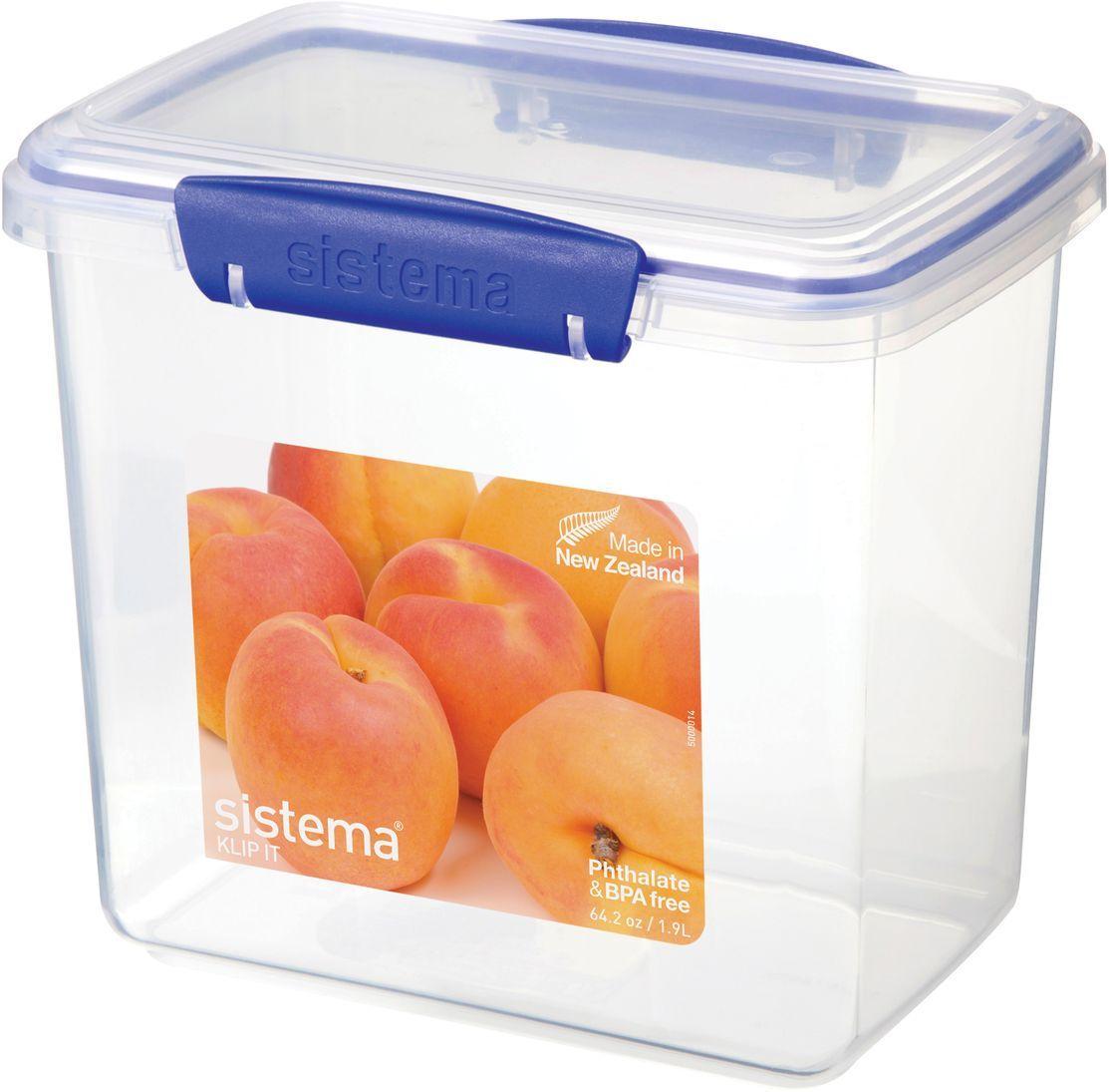Контейнер пищевой Sistema Klip It, цвет: прозрачный, синий, 1,9 л. 16801680Контейнер пищевой Sistema Klip It обладает оригинальной системой клипс. Контейнер надежно закрывается.Изделие выполнено из пластика, свободного от фенола и других вредных примесей.