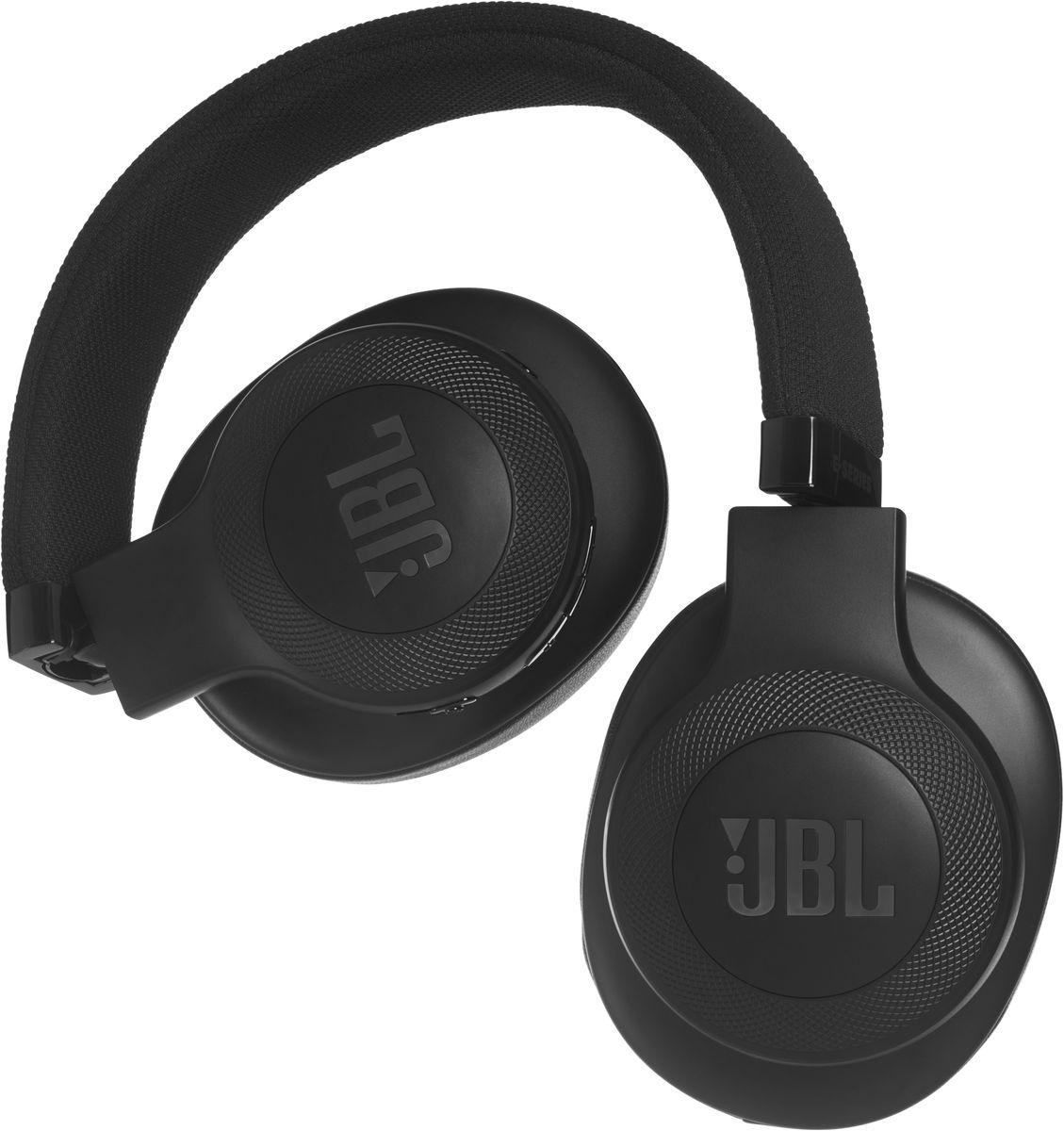 JBL E55BT, Black беспроводные наушникиJBLE55BTBLKБеспроводные накладные наушники JBL E55BT доставят легендарный звук JBL прямо вам в уши. E55BT — одна из наиболее универсальных моделей, отличающаяся длительной работой от аккумулятора (до 20 часов) и инновационным, стильным оголовьем с тканевой отделкой, подчеркивающим ваш модный образ. Эргономичный накладной дизайн означает, что вы можете не расставаться с любимой музыкой и получать дополнительное удовольствие, где бы вы ни были — на работе, в транспорте или просто в городе. Подключение к нескольким устройствам позволяет с легкостью переключаться между двумя устройствами, поэтому вы никогда не пропустите звонок. Благодаря элегантному внешнему виду, различным цветовым решениям и дополнительному удобству съемного кабеля с пультом управления и микрофоном вам никогда не захочется расставаться с наушниками E55BT.