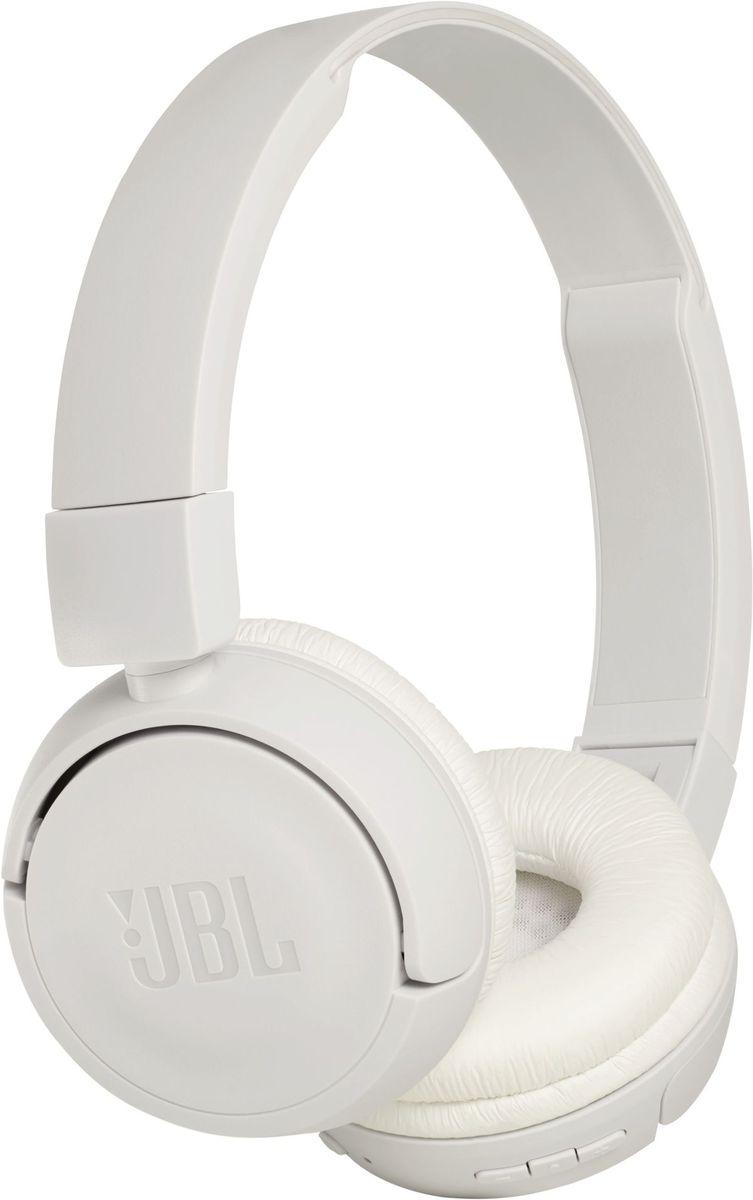 JBL T450BT, White беспроводные наушникиJBLT450BTWHTПредставляем накладные наушники JBL T450BT. Они легкие, удобные и компактные, а также имеют складную конструкцию. Внутри корпуса находится пара 32-мм динамиков, способных выдавать впечатляющие басы и воспроизводить мощный звук JBL Pure Bass, который можно услышать в крупных помещениях. Кнопки управления музыкой/звонками и микрофоном расположены на амбушюре. А поскольку ваша музыка должна сопровождать вас везде, куда бы вы ни отправились, наушники обеспечат вам до 11 часов воспроизведения аудио от одной зарядки.
