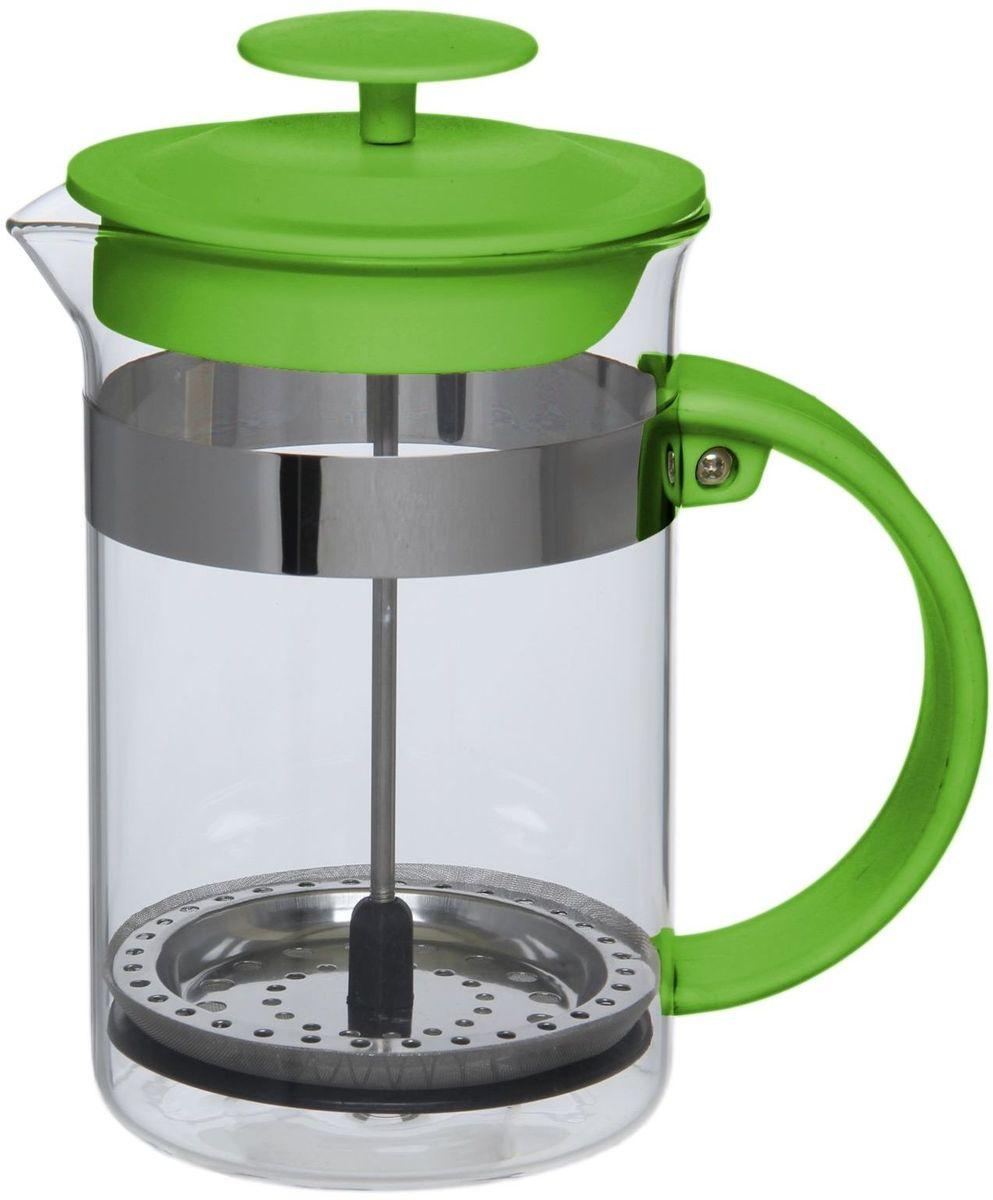 Френч-пресс Доляна Гарсон, цвет: зеленый, прозрачный, 800 мл1075451Френч-пресс Доляна Гарсон - замечательное приспособление для приготовления чая и кофе. Он пользуется огромным спросом у любителей этих напитков, ведь изделие довольно простое в использовании и имеет ряд преимуществ. Чай в нем быстрее заваривается, емкость позволяет наиболее полно раскрыться вкусовым качествам напитка. Вы можете готовить кофе и чай с любимыми специями и травами. Чтобы приготовить кофе, сначала вам нужно перемолоть зерна. Степень помола - грубая. Вскипятите воду. Насыпьте кофе в изделие и медленно залейте его кипятком из чайника. Наполните приспособление до середины, подождите 1 минуту и долейте остальное. Накройте крышкой, пусть напиток настоится еще 3 минуты. Медленно опустите поршень. Оставьте кофе на 3 минуты, чтобы опустился осадок. Ваш напиток готов!