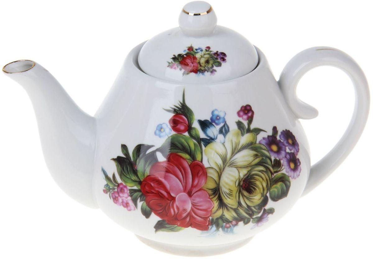 Чайник заварочный Доляна Цветочный парк, 900 мл1169106Чайник заварочный Доляна выполнен из высококачественной керамики. Посуда отличается прозрачностью и белизной, она неприхотлива и не требует особых условий хранения. Материал изделия долгое время сохраняет тепло, нейтрален к пищевым продуктам, легко моется. Чайник имеет традиционную форму, дополнен ярким цветочным рисунком и золотистой эмалью. Высокие эксплуатационные качества делают изделие удачным выбором для повседневного использования и сервировки праздничного стола.
