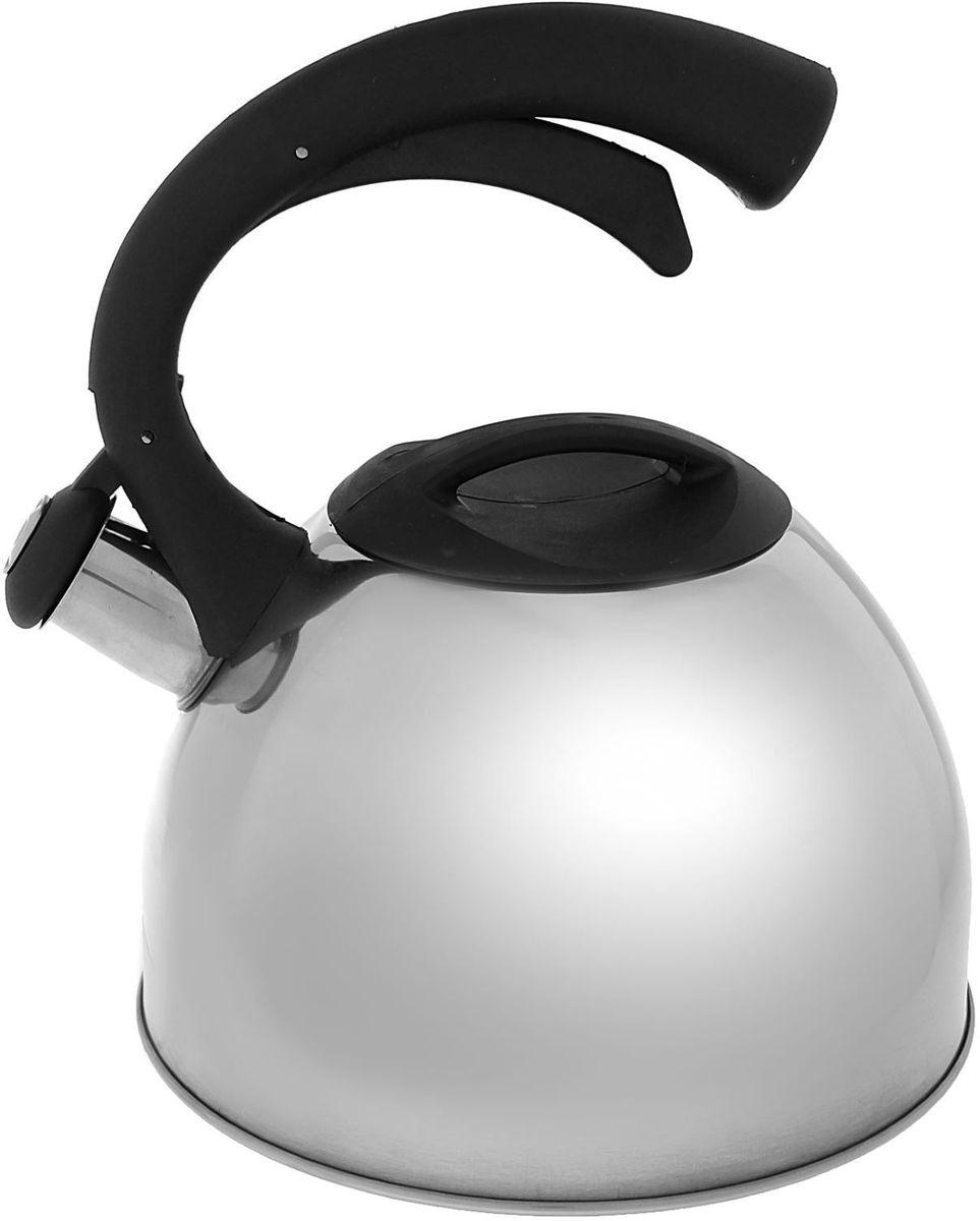 Чайник Доляна Оптимал, со свистком, 2,5 л. 14052001405200Чайник Доляна Оптимал выполнен из высококачественной нержавеющей стали с зеркальной полировкой. Материал изделия отличается неприхотливостью в уходе, безукоризненной функциональностью, гигиеничностью и стойкостью к коррозии. Чайники из нержавеющей стали абсолютно безопасны для здоровья человека. Благодаря низкой теплопроводности и оптимальному соотношению дна и стенок вода дольше остается горячей, а качественное дно гарантирует быстрый нагрев. Чайник при кипячении сохраняет все полезные свойства воды. Чайник снабжен фиксированной ручкой оригинальной формы, выполненной из пластика с приятным на ощупь покрытием Soft-Touch. Удобная ручка не нагревается, и поэтому вероятность ожогов сводится к минимуму. Свисток на носике чайника громко оповестит, когда закипела вода. Свисток открывается нажатием кнопки на рукоятке. Подходит для газовых, электрических, стеклокерамических, галогеновых, индукционных плит. Рекомендуется ручная мойка.
