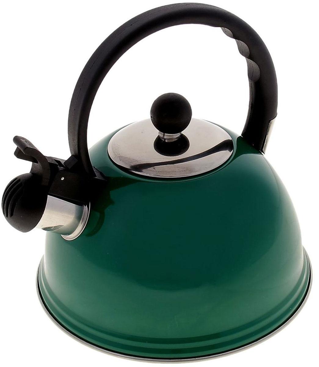 Чайник Доляна Элит, со свистком, цвет: зеленый, черный, 2 л851950Чайник Доляна Элит выполнен из высококачественной нержавеющей стали. Материал изделия отличается неприхотливостью в уходе, безукоризненной функциональностью, гигиеничностью и стойкостью к коррозии. Чайники из нержавеющей стали абсолютно безопасны для здоровья человека. Благодаря низкой теплопроводности и оптимальному соотношению дна и стенок вода дольше остается горячей, а качественное дно гарантирует быстрый нагрев. Чайник при кипячении сохраняет все полезные свойства воды. Чайник снабжен фиксированной пластиковой ручкой. Удобная ручка не нагревается, и поэтому вероятность ожогов сводится к минимуму. Свисток на носике чайника громко оповестит, когда закипела вода. Свисток открывается нажатием кнопки на рукоятке. Подходит для газовых, электрических, стеклокерамических, галогеновых, индукционных плит. Рекомендуется ручная мойка.