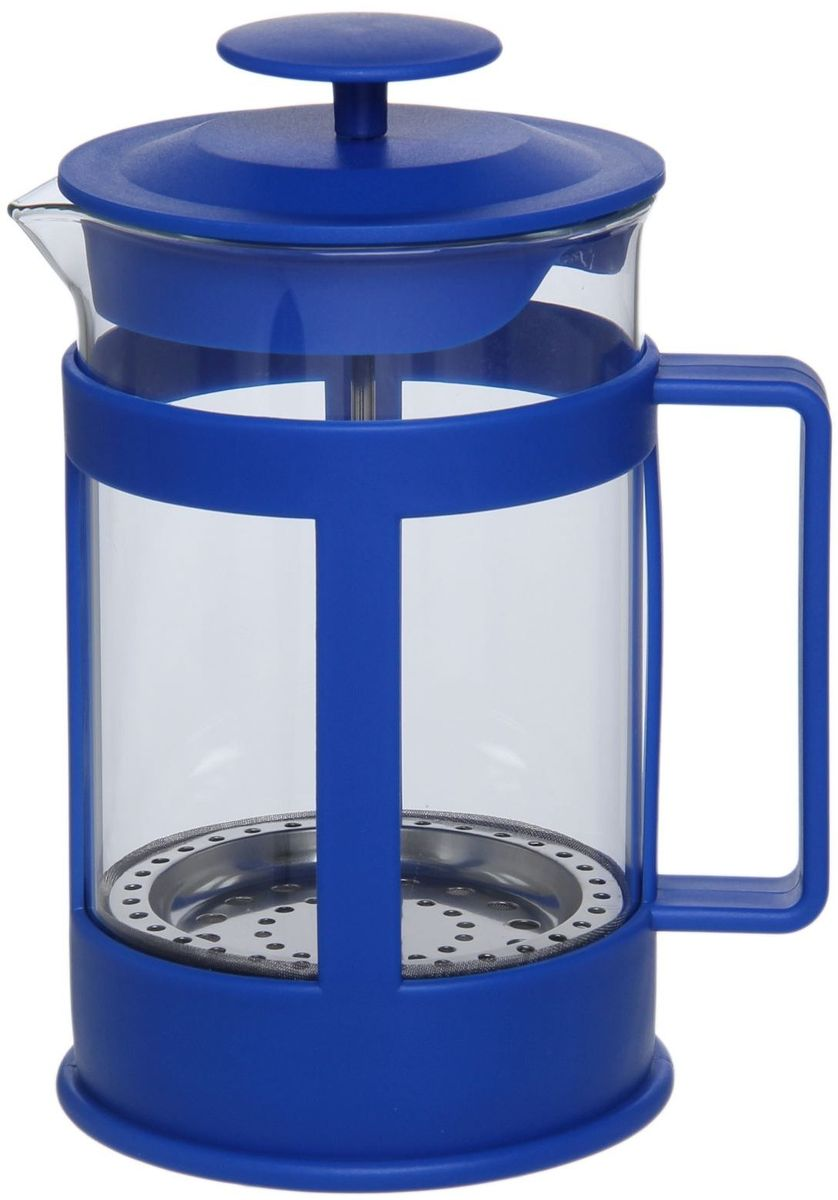 Френч-пресс Доляна Классика, цвет: синий, прозрачный, 800 мл863191Френч-пресс Доляна Классика - замечательное приспособление для приготовления чая и кофе. Он пользуется огромным спросом у любителей этих напитков, ведь изделие довольно простое в использовании и имеет ряд преимуществ. Чай в нем быстрее заваривается, емкость позволяет наиболее полно раскрыться вкусовым качествам напитка. Вы можете готовить кофе и чай с любимыми специями и травами. Чтобы приготовить кофе, сначала вам нужно перемолоть зерна. Степень помола - грубая. Вскипятите воду. Насыпьте кофе в изделие и медленно залейте его кипятком из чайника. Наполните приспособление до середины, подождите 1 минуту и долейте остальное. Накройте крышкой, пусть напиток настоится еще 3 минуты. Медленно опустите поршень. Оставьте кофе на 3 минуты, чтобы опустился осадок. Ваш напиток готов!
