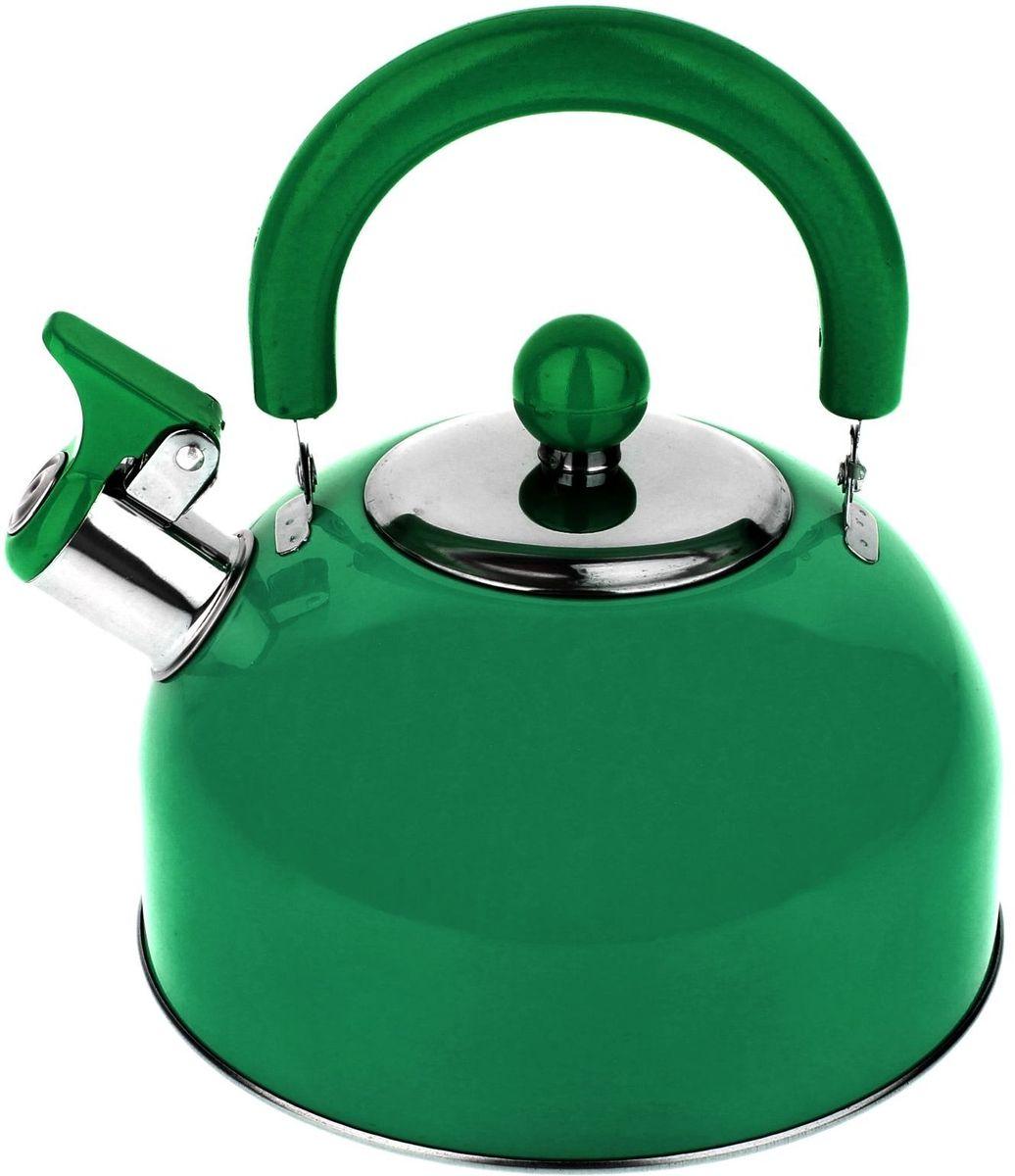 Чайник Доляна Радуга, со свистком, цвет: зеленый, 2,1 л863664Чайник Доляна Радуга выполнен из высококачественной нержавеющей стали. Материал изделия отличается неприхотливостью в уходе, безукоризненной функциональностью, гигиеничностью и стойкостью к коррозии. Чайники из нержавеющей стали абсолютно безопасны для здоровья человека.Благодаря низкой теплопроводности и оптимальному соотношению дна и стенок вода дольше остается горячей, а качественное дно гарантирует быстрый нагрев. Чайник при кипячении сохраняет все полезные свойства воды.Чайник снабжен подвижной пластиковой ручкой. Удобная ручка не нагревается, и поэтому вероятность ожогов сводится к минимуму. Откидной свисток на носике чайника громко оповестит, когда закипела вода.Подходит для газовых, электрических, стеклокерамических, галогеновых, индукционных плит. Рекомендуется ручная мойка.