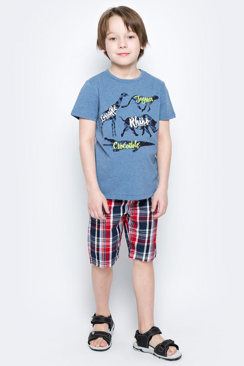 Футболка для мальчика PlayToday, цвет: голубой, черный, белый. 171119. Размер 122171119Футболка для мальчика PlayToday выполнена из эластичного хлопка. Модель с круглым вырезом горловины и короткими рукавами оформлена оригинальным принтом.
