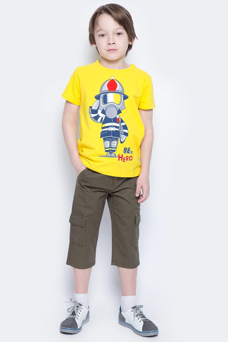 Футболка для мальчика PlayToday, цвет: желтый. 171074. Размер 116171074Футболка для мальчика PlayToday выполнена из эластичного хлопка. Модель с круглым вырезом горловины и короткими рукавами оформлена оригинальным принтом.