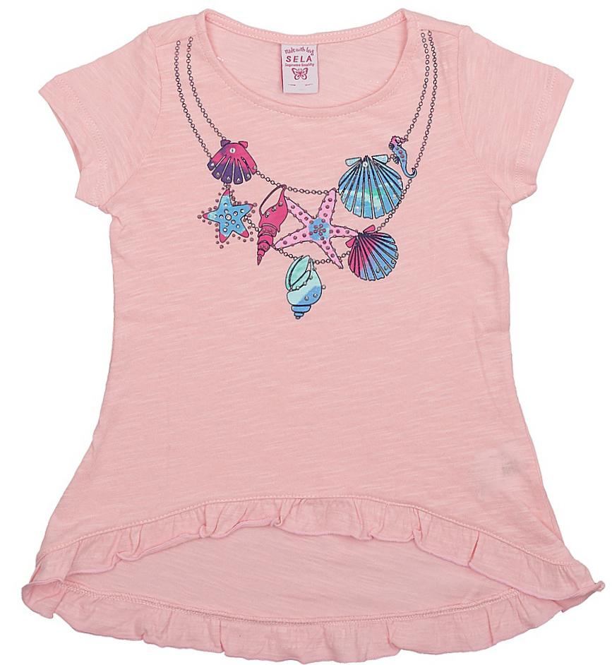 Футболка для девочки Sela, цвет: светло-розовый. Ts-511/404-7233. Размер 110, 5 летTs-511/404-7233Стильная футболка с удлиненной спинкой Sela станет отличным дополнением к гардеробу юной модницы. Модель расклешенного кроя изготовлена из натурального хлопка и оформлена оригинальным принтом и рюшами по низу.