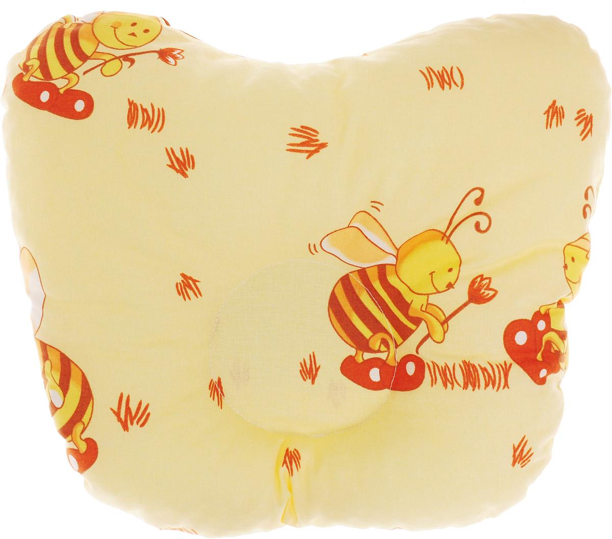 Сонный гномик Подушка анатомическая для младенцев Пчелы 27 х 27 см555А_желтый, пчелыАнатомическая подушка для младенцев Сонный гномик Пчелы изготовлена из бязи - 100% хлопка. Наполнитель - синтепон в гранулах (100% полиэстер).Подушка компактна и удобна для пеленания малыша и кормления на руках, она также незаменима для сна ребенка в кроватке и комфортна для использования в коляске на прогулке. Углубление в подушке фиксирует правильное положение головы ребенка.Подушка помогает правильному формированию шейного отдела позвоночника.