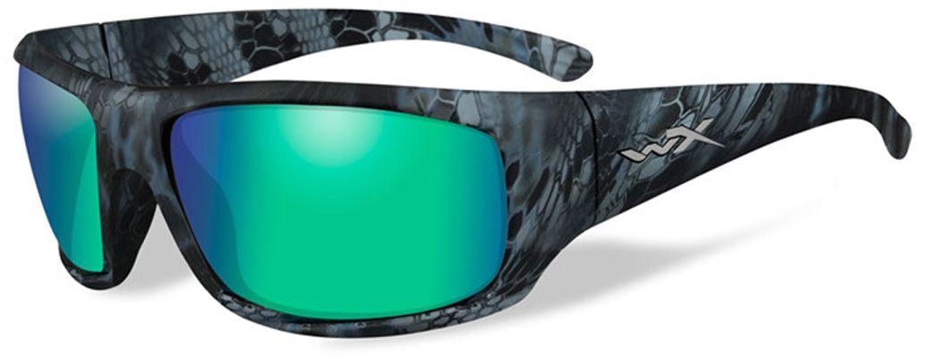 Очки солнцезащитные WileyX Omega Polarized, для охоты, рыбалки и активного отдыха, цвет: Emerald Mirror, Amber (Kryptek Neptune)ACOME12Зеркальные изумрудно-янтарные поляризованные линзы очков WileyX Omega Polarized, с многослойным покрытием, разработаны специально для усиления цветового контраста и обеспечения высокого уровня визуального восприятия. Очки обеспечивает превосходные характеристики четкости цветов и остроты зрения при любых условиях освещенияПоляризационный фильтр 8ТМ - запатентованная WileyX технология поляризации линз обеспечивает 100% поляризацию и 100% защиту от ультрафиолетовых лучей для непревзойденной четкости и контрастности изображения.Защита от ударов на высокой скорости - оправа и линзы должны выдерживать удар тяжелого снаряда весом 500 г, падающего с высоты 127 см.Прочное покрытие - устойчивое к царапинам покрытие защищает линзы от механических повреждений и продлевает срок их службы.Антибликовое покрытие - антибликовое покрытие устраняет нежелательные отражения с поверхностей линз. Водоотталкивающее покрытие - водоотталкивающее покрытие обеспечивает скатывание воды с поверхности линз. Используется только на поляризационных линзах.