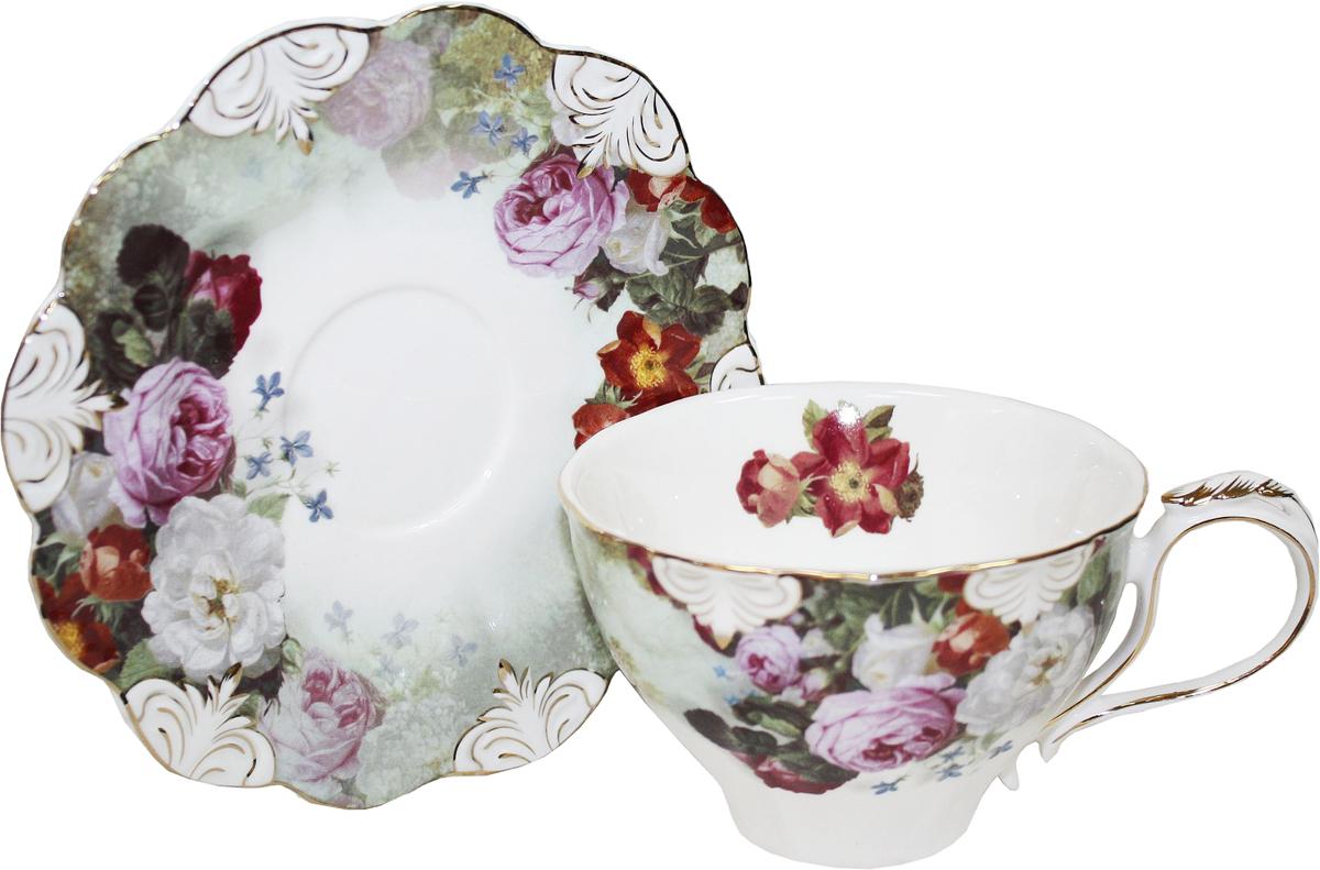 Чайная пара Chaozhou Fengxi Shenshui Розарий, 2 предмета02-005Чайная пара Chaozhou Fengxi Shenshui Розарий состоит из чашки и блюдца, выполненныхиз фарфора. Изделия, украшенные ярким изображением цветов, имеют изысканный внешний вид. Чайная пара Chaozhou Fengxi Shenshui Розарий впишется в любой интерьер кухни и станет отличным подарком для ваших родных и близких.