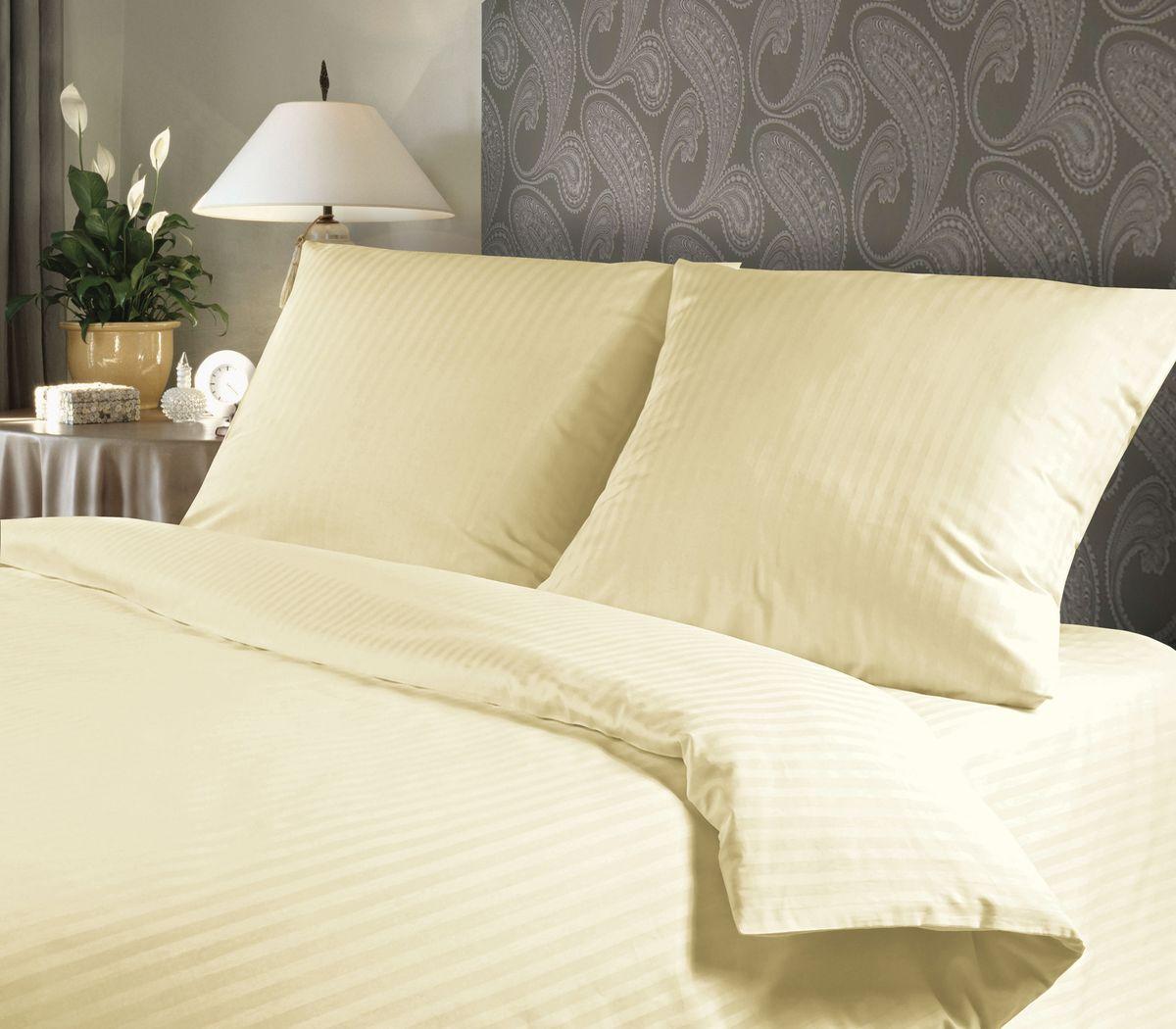 Комплект белья Verossa Amber, 1,5-спальный, наволочки 70х70711209Комплект постельного белья включает в себя четыре предмета: простыню, пододеяльник и две наволочки, выполненные из страйп-сатина.Страйп-сатин - одна из разновидностей жаккардового сатина. Это ткань, плетение которой представляет собой чередующиеся полосы, отсюда и название материала: в переводе с английского stripe и есть полоска. Размер пододеяльника: 148 x 215 см.Размер простыни: 180 x 215 см.Размер наволочек: 70 x 70 см.