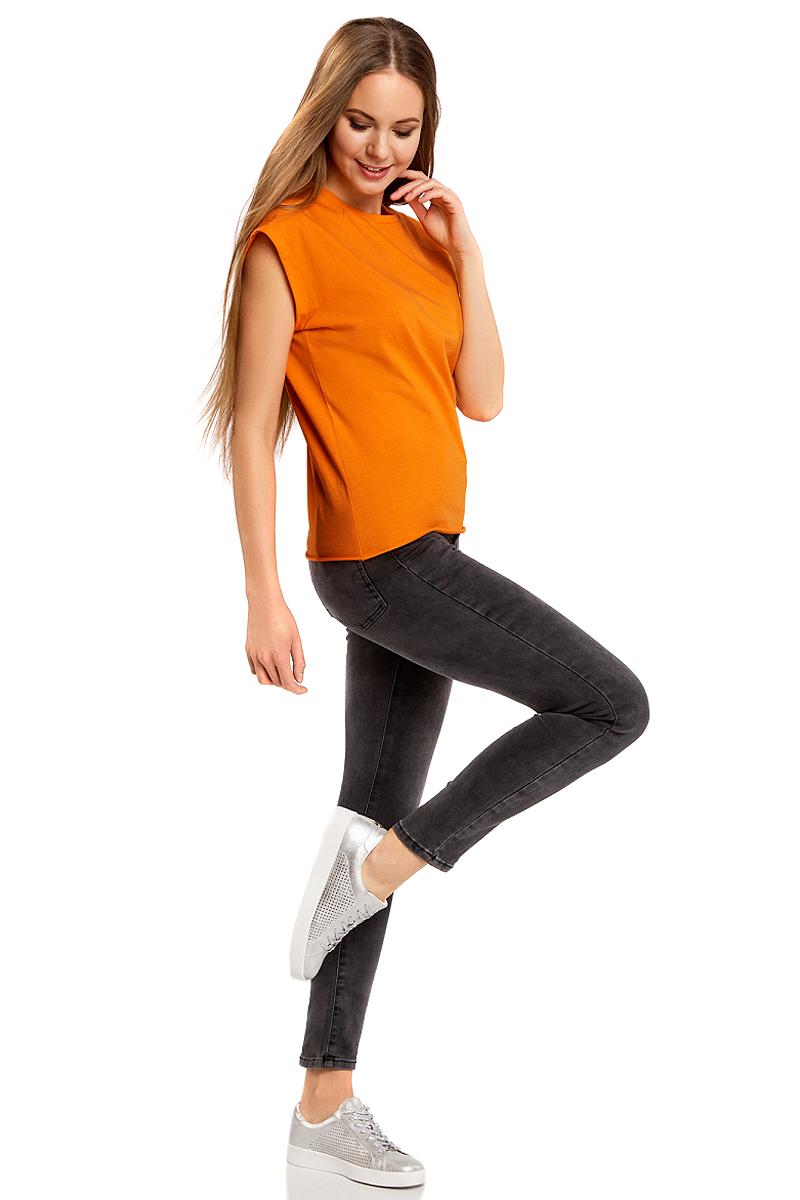 Футболка женская oodji Ultra, цвет: оранжевый. 14707001B/46154/5500N. Размер S (44)14707001B/46154/5500NБазовая футболка свободного кроя с круглым вырезом горловины и короткими рукавами-реглан выполнена из натурального хлопка.