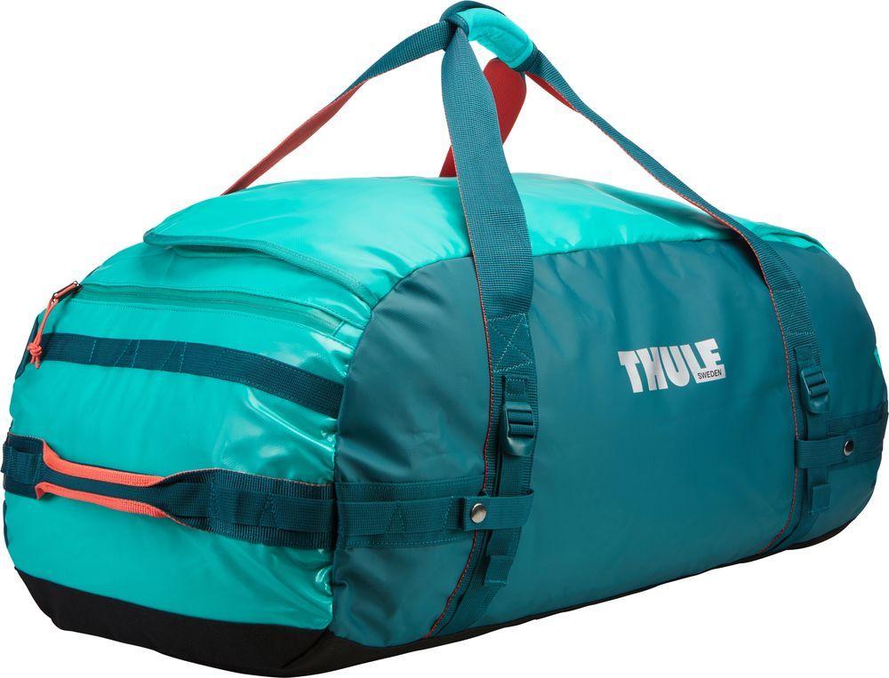 Спортивная сумка-баул Thule Chasm, цвет: изумрудный, 90 л. Размер L221304Спортивная сумка-баул Thule Chasm - эти жесткие, устойчивые к неблагоприятным погодным условиям сумки с широко раскрывающимся основным отделением и съемными ремнями - ваши надежные спутники в любой поездке.Особенности:Увеличенный угол открывания облегчает доступ к содержимому. Возможны два способа переноски: в качестве рюкзака и спортивной сумки (все неиспользуемые ремни можно убрать). Прочная водонепроницаемая брезентовая ткань защищает вещи, а также легко складывается для компактного хранения. Внутренние сетчатые карманы помогают сортировать и хранить вещи. Внешние стягивающие ремни удерживают вещи так, чтобы они не падали на дно сумки, когда сумка становится рюкзаком. Мягкое дно защитит вещи при контакте с землей. Запирающийся боковой карман на молнии позволяет надежно хранить небольшие предметы под рукой (замок продается отдельно). Быстрый доступ к небольшим предметам через внешний потайной карман.