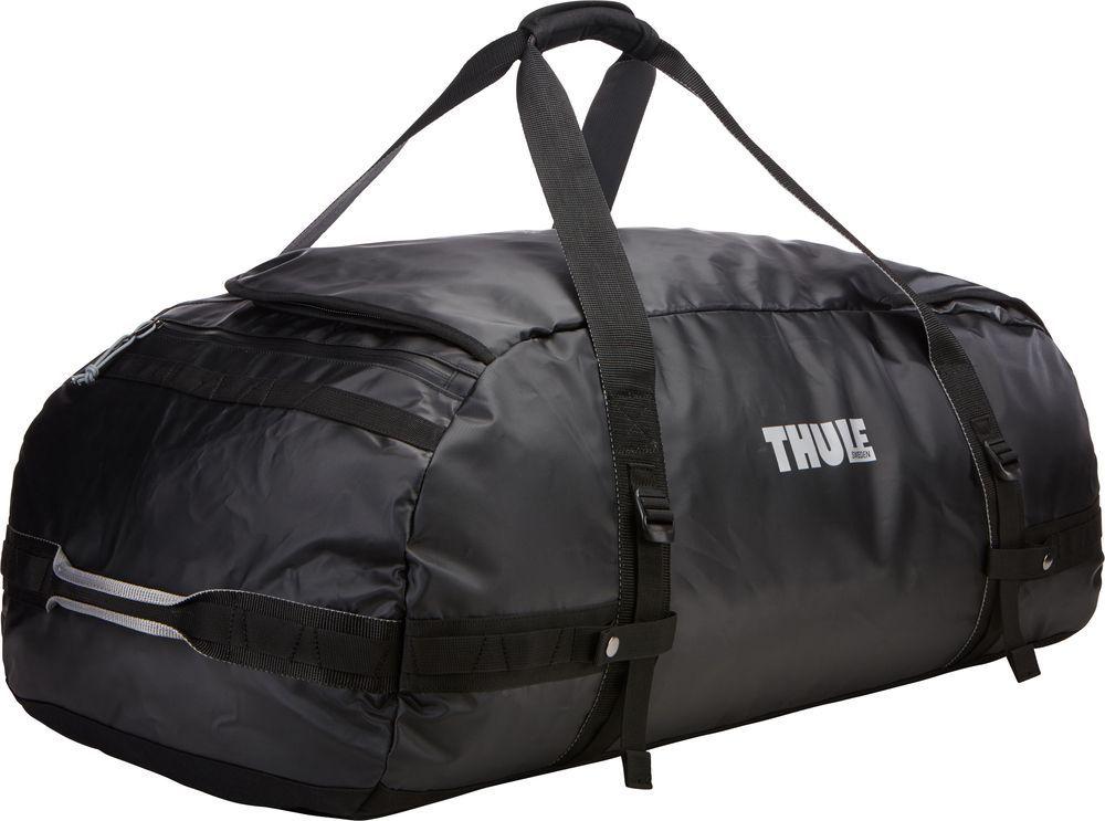 Спортивная сумка-баул Thule Chasm, цвет: черный, 130 л. Размер XL221401Спортивная сумка-баул Thule Chasm - эти жесткие, устойчивые к неблагоприятным погодным условиям сумки с широко раскрывающимся основным отделением и съемными ремнями - ваши надежные спутники в любой поездке.Особенности:Увеличенный угол открывания облегчает доступ к содержимому. Возможны два способа переноски: в качестве рюкзака и спортивной сумки (все неиспользуемые ремни можно убрать). Прочная водонепроницаемая брезентовая ткань защищает вещи, а также легко складывается для компактного хранения. Внутренние сетчатые карманы помогают сортировать и хранить вещи. Внешние стягивающие ремни удерживают вещи так, чтобы они не падали на дно сумки, когда сумка становится рюкзаком. Мягкое дно защитит вещи при контакте с землей. Запирающийся боковой карман на молнии позволяет надежно хранить небольшие предметы под рукой (замок продается отдельно). Быстрый доступ к небольшим предметам через внешний потайной карман.