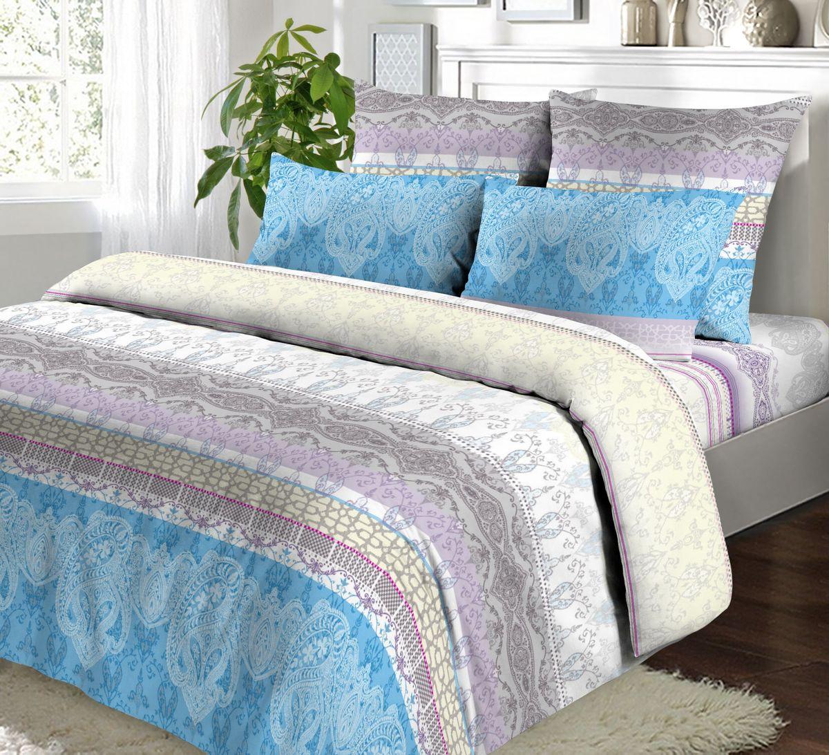 Комплект белья Коллекция Версаль, 1,5-спальный, наволочки 70x70 смБК1,5/70/ОЗ/верКомплект постельного белья Версаль включает в себя четыре предмета: простыню, пододеяльник и две наволочки, выполненные из бязи. Бязь - гладкая и прочная ткань, которая своим блеском, легкостью и гладкостью похожа на шелк, но выгодно отличается от него в цене.
