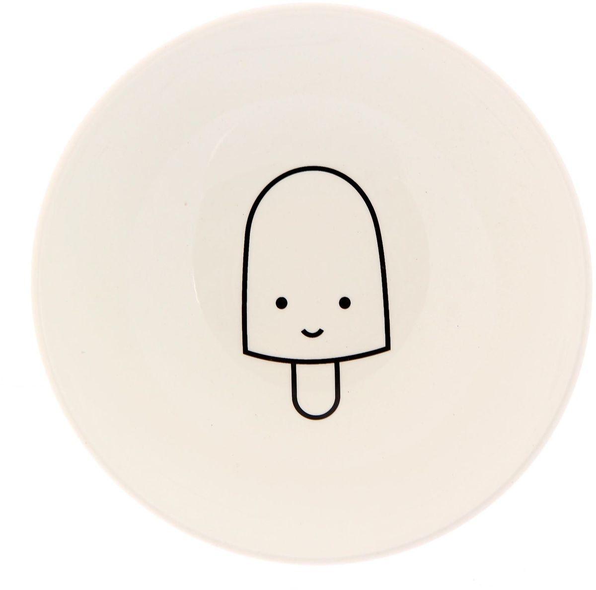 Салатник Сотвори чудо My Little Ice Cream, диаметр 16,5 см2277845Изящный салатник Сотвори чудо изготовлен из фаянса. На дне салатника расположилась забавная картинка, нарисованная стойкой краской. Хотите обновить интерьер кухни или гостиной? Устраиваете необычную фотосессию или тематический праздник? А может, просто ищете подарок для близкого человека?Можно использовать в посудомоечных машинах.Диаметр по верхнему краю: 16,5 см.