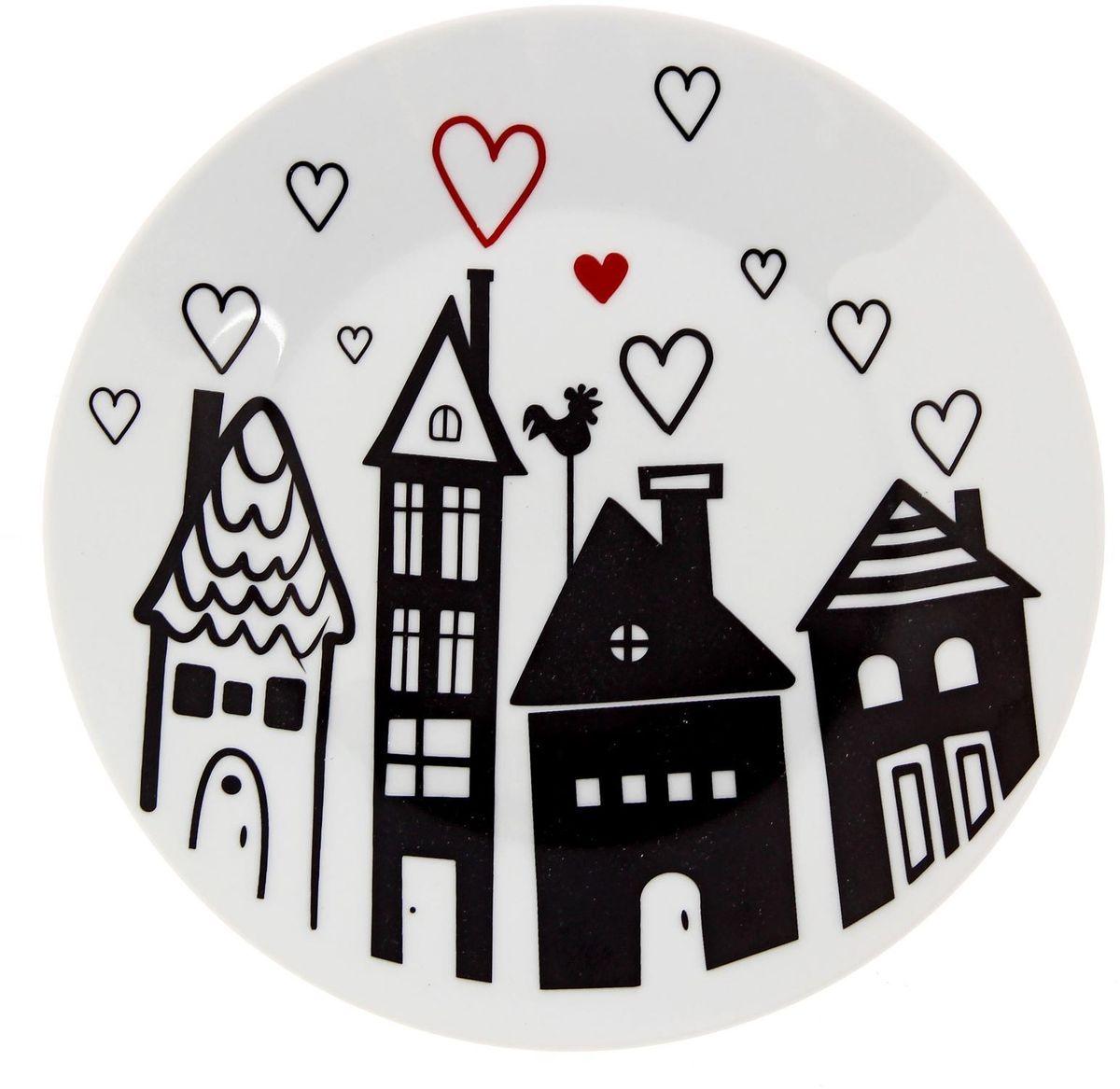 Тарелка мелкая Сотвори чудо Город любви, диаметр 20 см2277871Хотите обновить интерьер кухни или гостиной? Устраиваете необычную фотосессию или тематический праздник? А может, просто ищете подарок для близкого человека? Посуда Сотвори Чудо — правильный выбор в любой ситуации. Тарелка Сотвори Чудо, изготовленная из изящного фаянса нежного сливочного цвета, оформлена оригинальным рисунком со стойкой краской. Пригодна для посудомоечной машины.