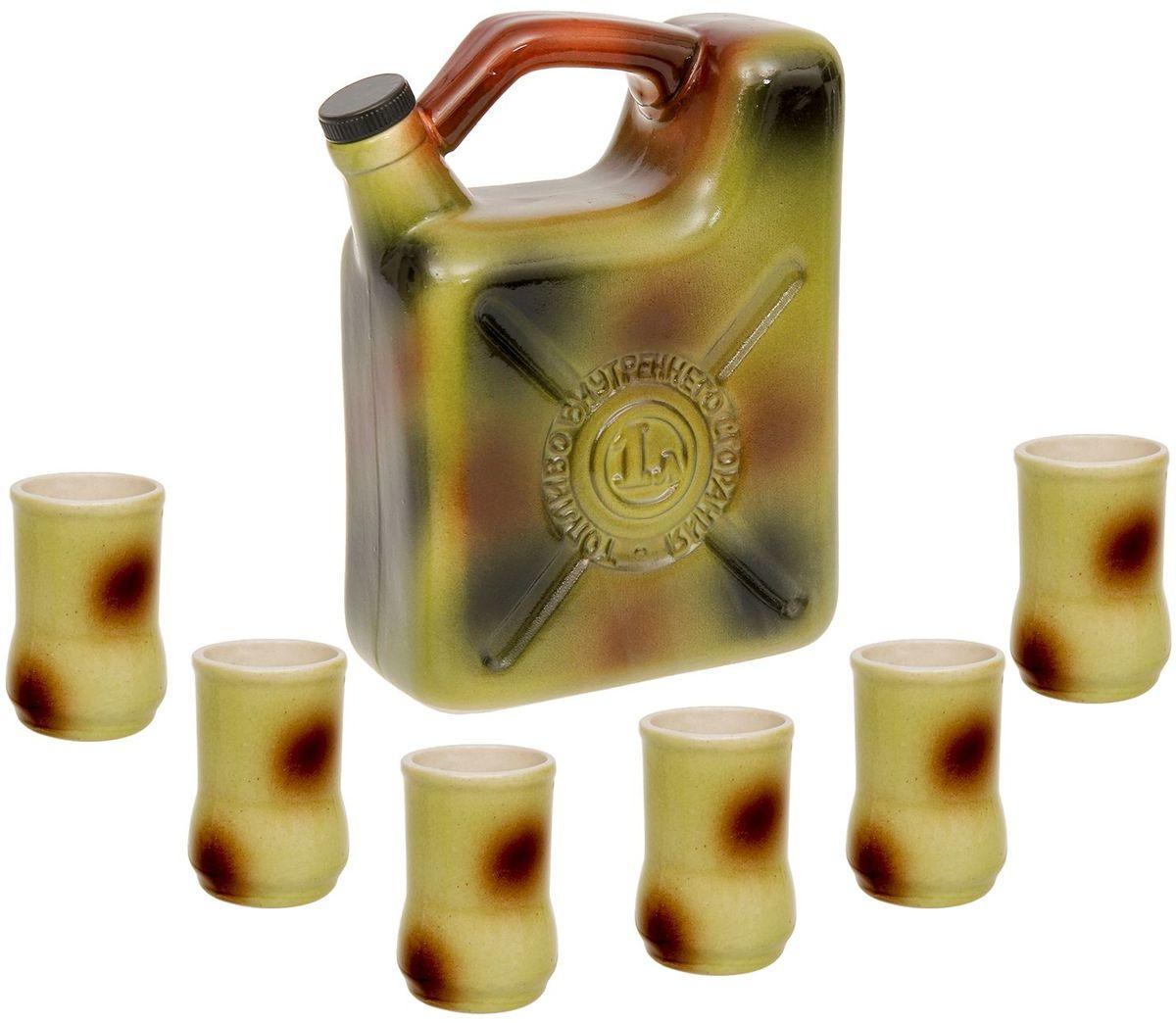 Набор винный Керамика ручной работы Канистра, 7 предметов600_салатовыйНабор винный Керамика ручной работы Канистра, изготовлен из керамики - прочного материала, способного сохранять температуру жидкости до 4 часов, поэтому вы сможете наслаждаться охлаждёнными напитками даже во время долгих застолий.Штоф - это сосуд для крепких спиртных напитков. Он предназначен для хранения вина, водки, коньяка и настойки. К нему прилагаются оригинальные рюмки соответствующей тематики. На праздничном ужине такая подача алкоголя приятно удивит ваших гостей. Кроме того, набор станет отличным подарком для ценителей качественных спиртных напитков.