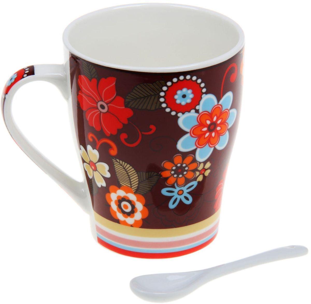 Кружка Доляна Мария, с ложкой, 300 мл103082Кружка Доляна Мария изготовлена из высококачественной керамики. Изделие оформлено красочным рисунком и покрыто превосходной сверкающей глазурью. Изысканная кружка прекрасно оформит стол к чаепитию и станет его неизменным атрибутом.В комплект входит чайная ложка.