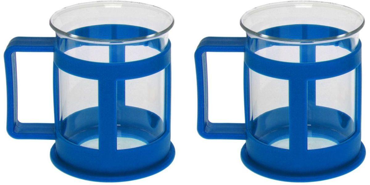 Набор кружек Доляна Классика, цвет: синий, 200 мл, 2 шт1075431Практичный набор кружек пригодится каждому человеку. Поставьте его на кухне, возьмите с собой на работу, в поход или путешествие: качественные изделия не подведут вас.Достоинства:удобный пластиковый подстаканник защищает стеклянный корпус;ручка не нагревается от горячих напитков;изделие легко мыть;необычный дизайн освежает интерьер.При необходимости стеклянная часть кружки может быть извлечена.Делайте свою жизнь комфортнее!