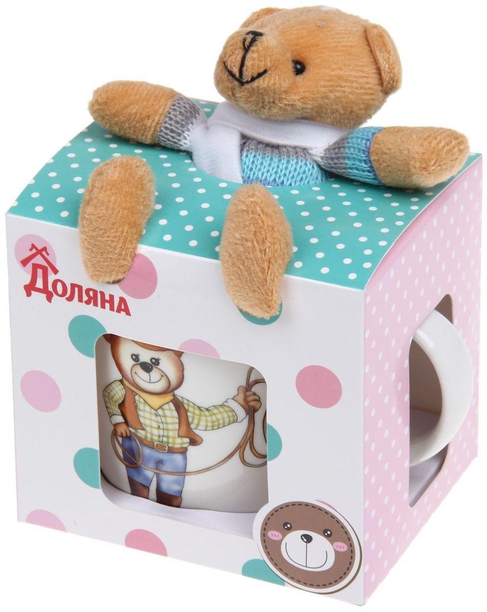 Кружка детская Доляна Мишка-ковбой, 280 мл1116749Детская кружка Доляна Мишка-ковбой очень понравится вашему ребенку. В комплекте игрушка медвежонок. Любимый герой будет радовать малыша всякий раз во время приёма пищи. Кружка выполнена из керамики.Кружка Доляна Мишка-ковбой упакована в подарочную коробку - она станет отличным подарком.