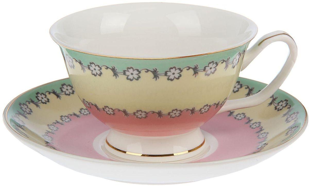 Набор чайный Доляна Цветочный вальс, 2 предмета1405173Какую посуду выбрать для чаепития? Конечно, традиционный напиток по необходимости можно пить и из помятой алюминиевой кружки. Но все-таки большинство хозяек стараются приобрести изящные и оригинальные модели для эстетического наслаждения неповторимым вкусом и тонким ароматом хорошего чая.Кухонная керамика сочетает в себе бытовую практичность и декоративную утонченность. Нарядный комплект обязательных для чаепития атрибутов изготовлен на родине древнего напитка и привнесет в каждую трапезу особую энергетику.