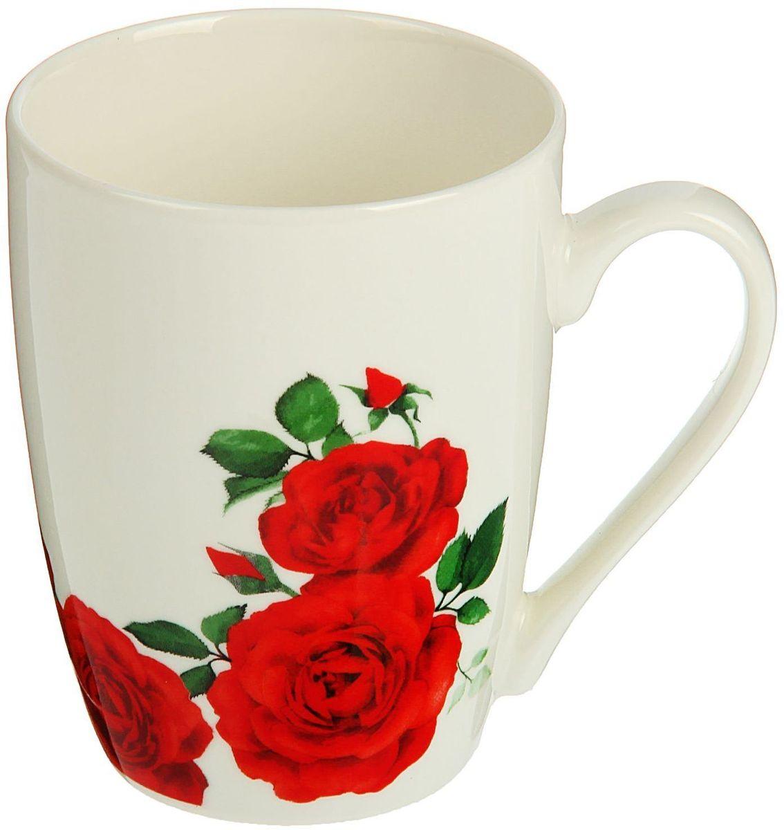 Кружка Доляна Розы, 350 мл1625287Кружка Доляна Розы выполнена из керамики. Хотите обновить интерьер кухни или гостиной? Устраиваете необычную фотосессию или тематический праздник? А может, просто ищете подарок для близкого человека? Кружка станет любимым аксессуаром на долгие годы. Относитесь к изделию бережно, и оно будет дарить прекрасное настроение каждый день!