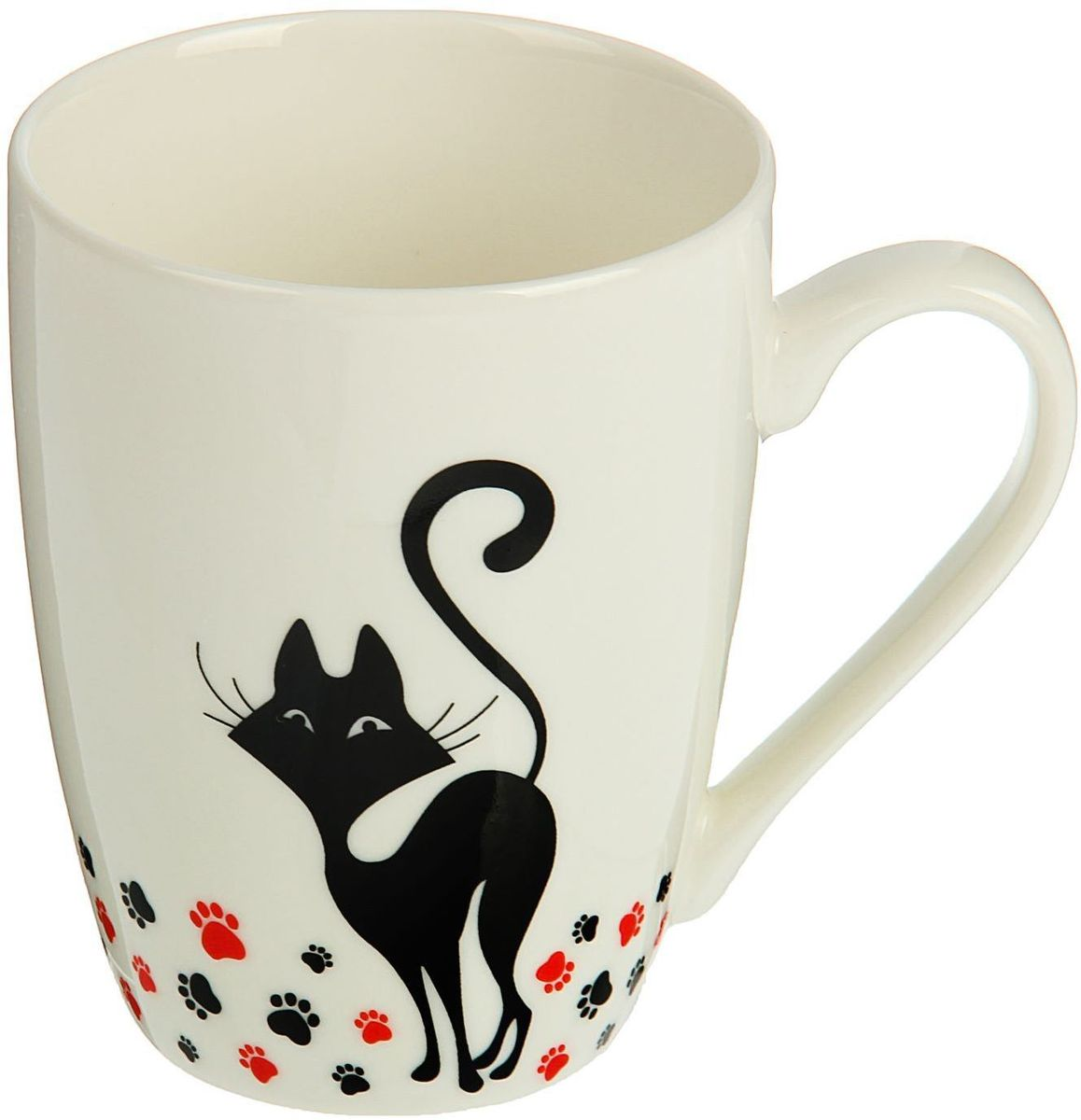 """Кружка Доляна """"Котики"""" изготовлена из керамики. Она украшена оригинальным рисунком с котами. Кружка станет отличным подарком для родных и близких. Это любимый аксессуар на долгие годы.  Относитесь к изделию бережно, и оно будет дарить прекрасное настроение каждый день."""