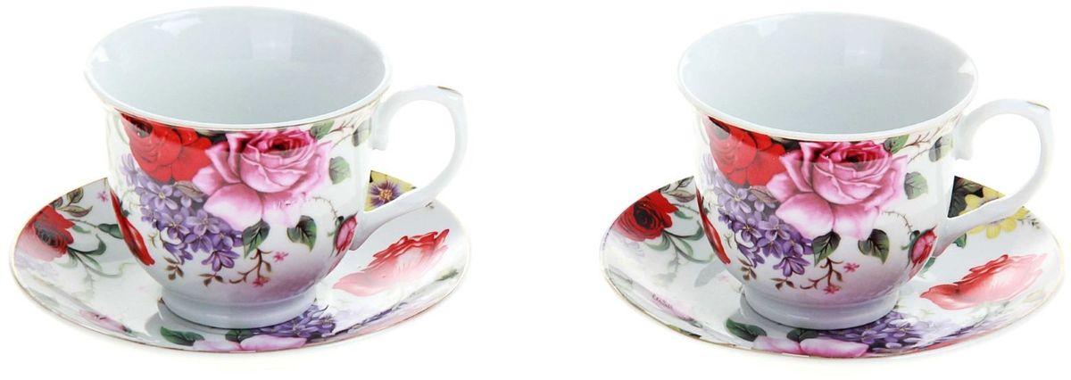 Набор чайный Доляна Страстная роза, 4 предмета240593Какую посуду выбрать для чаепития? Конечно, традиционный напиток по необходимости можно пить и из помятой алюминиевой кружки. Но все-таки большинство хозяек стараются приобрести изящные и оригинальные модели для эстетического наслаждения неповторимым вкусом и тонким ароматом хорошего чая.Кухонная керамика сочетает в себе бытовую практичность и декоративную утонченность. Нарядный комплект обязательных для чаепития атрибутов изготовлен на родине древнего напитка и привнесет в каждую трапезу особую энергетику.
