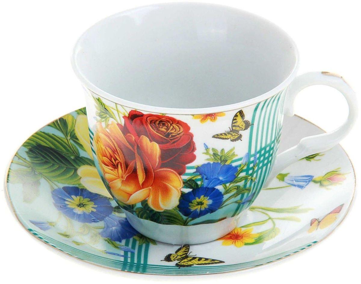 Чайная пара Доляна Мари240610Чайная пара Доляна Мари состоит из чашки и блюдца, выполненных из качественной глазурованной керамики. Изделия отличаются не только эффектным дизайном, но и бытовой практичностью. Керамическая посуда легко моется и не требует чрезмерно деликатного ухода. Изделия дополнены красивым цветочным рисунком. Изящные формы чайной пары удачно подчеркивают тонкий вкус и нежный аромат напитка. Чайная пара Доляна Мари позволит вам отдохнуть от повседневных дел, создать спокойную обстановку и насладиться душистым чаем. Чайная пара с нарядной деколью может стать прекрасным подарком для родных и близких, друзей и коллег.
