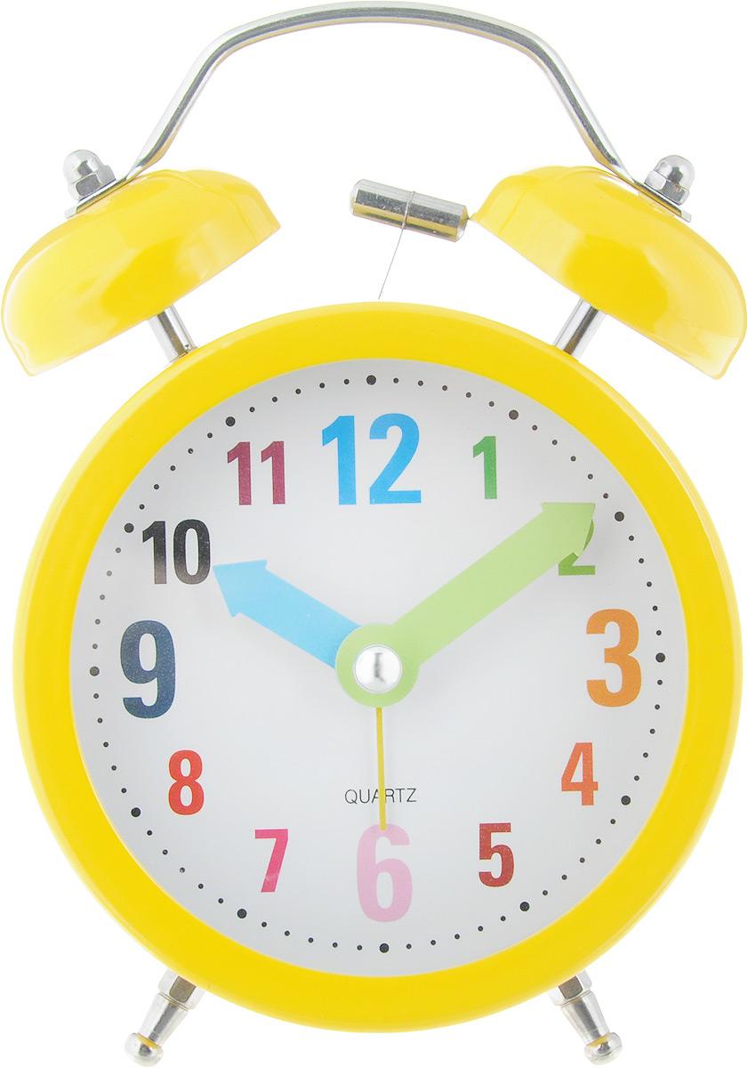 Часы-будильник Sima-land Разноцветные цифры, цвет: желтый1056418_желтыйЯркий и оригинальный будильник Sima-land Разноцветные цифры поможет вам всегда вставать в нужное время и успевать везде и всюду. Корпус будильника выполнен из металла и пластика. Циферблат имеет разноцветные арабские цифры и цветные стрелки. Будильник украсит вашу комнату и приведет в восхищение друзей. Время показывает точно и будит в установленный час.На задней панели будильника расположены переключатель включения/выключения механизма, а также два колесика для настройки текущего времени и времени звонка будильника. Также будильник оснащен кнопкой, при нажатии и удержании которой, подсвечивается циферблат.Будильник работает от 1 батарейки типа AA напряжением 1,5V (не входит в комплект).