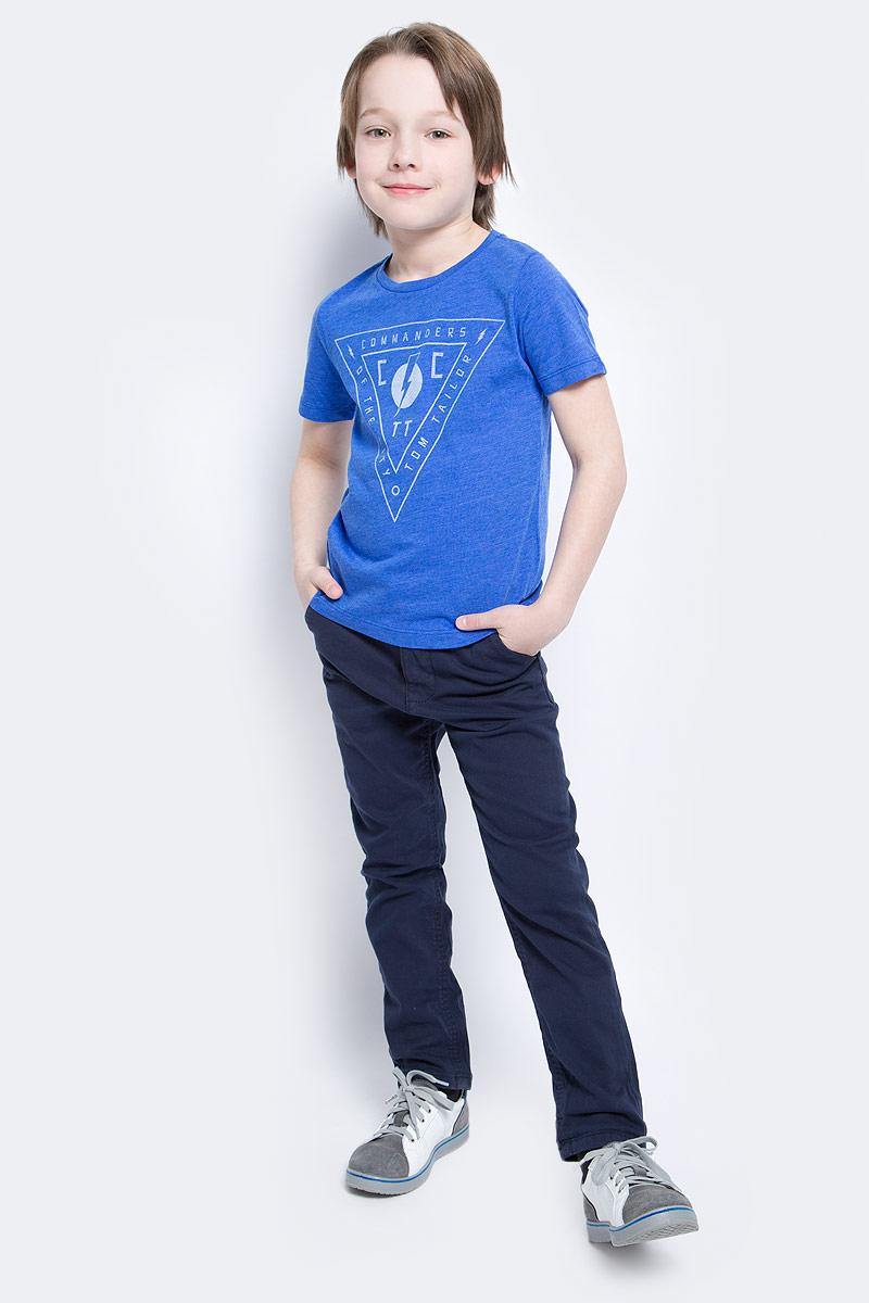 Брюки для мальчика Tom Tailor, цвет: темно-синий. 6404880.00.82_6975. Размер 1226404880.00.82_6975Стильные брюки для мальчика Tom Tailor изготовлены из хлопка с добавлением эластана.Модель, стилизованная под джинсы, на таллии имеет широкий пояс, застегивающийся на пуговицу. Так же предусмотрены ширинка на застежке-молнии и шлевки для ремня. Спереди изделие дополнено двумя втачными карманами, а сзади - двумя прорезными на пуговицах.