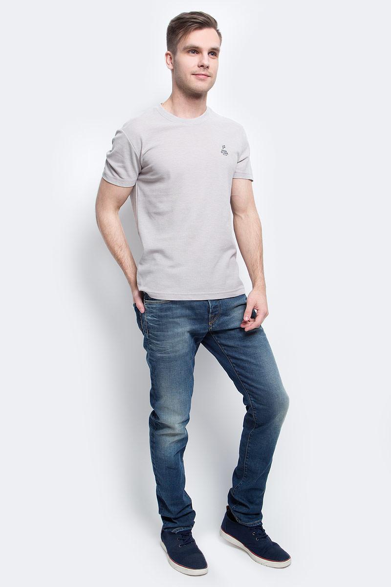 Футболка мужская Finn Flare, цвет: светло-серый. S17-21023_211. Размер M (48)S17-21023_211Футболка мужская Finn Flare выполнена из натурального хлопка. Модель с круглым вырезом горловины и короткими рукавами.