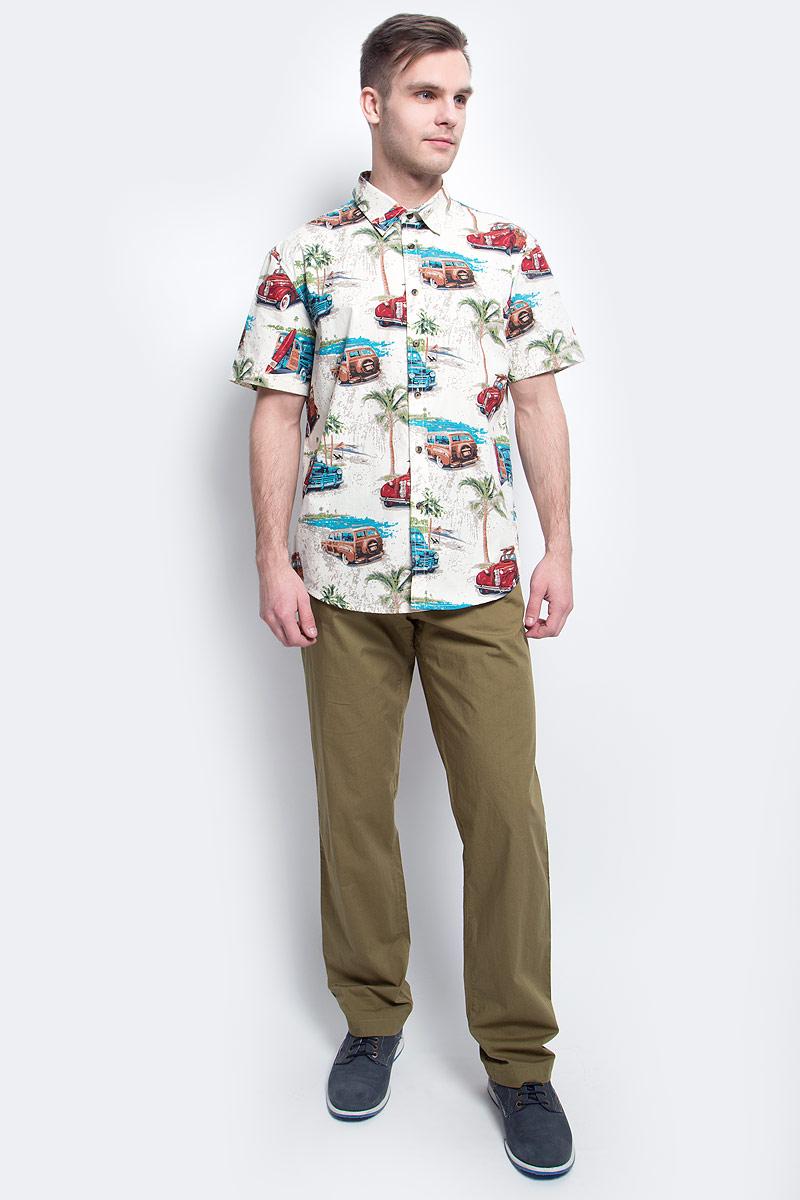 Рубашка мужская Finn Flare, цвет: молочный. S17-24019_711. Размер L (50)S17-24019_711Рубашка мужская Finn Flare выполнена из хлопка. Модель с отложным воротником и короткими рукавами застегивается на пуговицы.