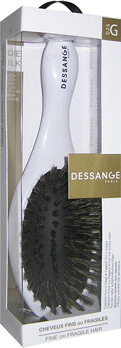 Щетка массажная Dessange с щетиной из натурального шелка956025Массажная щетка Dessange с щетиной из пластика с элементами из натурального шелка прекрасно подойдет для деликатного расчесывания и выпрямления тонких и ломких волос. Идеально отшлифованные кончики щетинок не царапают кожу головы и исключают травмирование волос. Пластик из которого изготовлена щетка безопасен в использовании, высокоустойчив к истиранию и механическим воздействиям. Компактные размеры щетки позволяют ей уместится практически в любой дамской сумочке. Характеристики:Материал: пластик с элементами из шелка. Размер щетки: 17 см х 5,5 см х 3,5 см. Размер рабочей поверхности щетки: 4,5 см х 8 см. Жесткость щетины: Doux Soft. Размер упаковки: 20 см х 6 см х 4 см. Производитель: Франция. Изготовитель: Корея. Артикул: 656125.