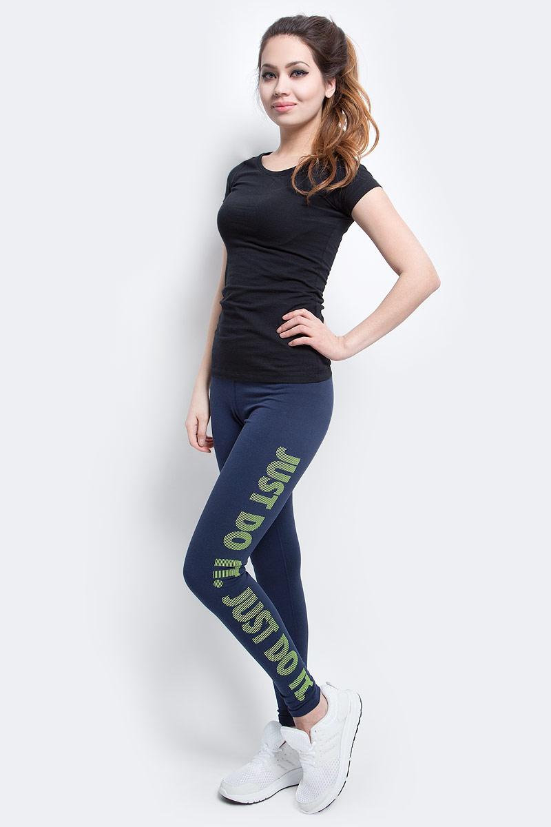 Тайтсы женские Nike Dry Training Tight, цвет: синий. 830558-451. Размер XS (40/42)830558-451Женские тайтсы от Nike выполнены из функционального материала Dri-FIT, который обеспечивает комфорт. Вставка в области шагового шва увеличивает диапазон движений, отвороты с плотной посадкой позволяют полностью сконцентрироваться на спорте.