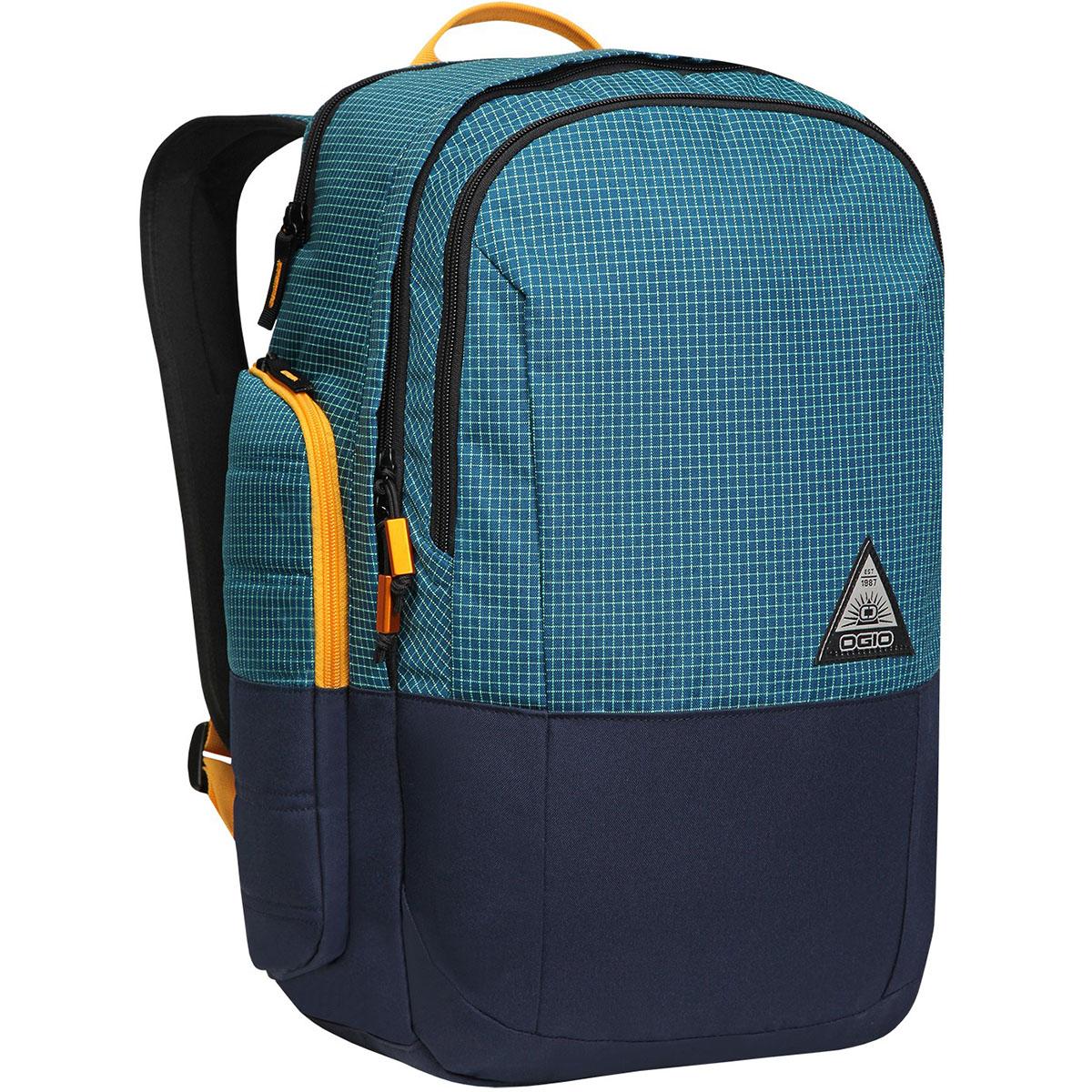 Рюкзак городской OGIO Urban. Clark Pack (A/S), цвет: синий. 031652226999031652226999Рюкзак OGIO Urban. Clark Pack (A/S) разработан для ярких и модных людей! Он позволит вам взять с собой все необходимое.Этот рюкзак стильный и в то же время функциональный, благодаря чему у вас есть возможность взять с собой множество необходимых вещей. Имеются специализированные отсеки для ноутбука и планшета, которые позволят вам не переживать за сохранность техники, а современный дизайн и отличный внешний вид рюкзака дополнят ваш образ. OGIO - высокотехнологичный продукт от американского производителя. Вместимые сумки для путешествий, работы и отдыха, специальная коллекция городских сумок для женщин, жесткие боксы под мелкий инвентарь и многое другое.