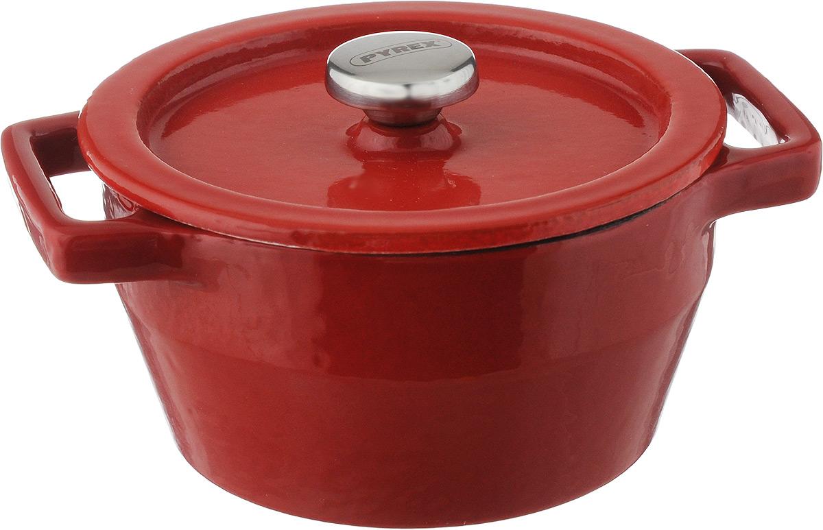 Мини-кастрюля Pyrex Slowcook, с крышкой, 0,2 лSC5AC10/5646Мини-кастрюля Pyrex Slowcook выполнена из высококачественного чугуна с глазурованным покрытием. В такой кастрюле удобно порционно запекать пищу, например, жульен, мясо и овощи, рыбу, а также выпекать мини-суфле, запеканки или десерты. Может использоваться для подачи соусов и приправ. Приготовленное блюдо можно не выкладывать из мини-кастрюли, а подавать на стол прямо в ней. Изделие оснащено крышкой с металлической ручкой. Выдерживает температуру до +280°C. Подходит для использования на всех типах плит, кроме индукционных. Можно использовать в духовом шкафу и на галогеновой конфорке, и мыть в посудомоечной машине. Ширина мини-кастрюли (с учетом ручек): 13 см. Высота стенок: 5 см. Диаметр мини-кастрюли (по верхнему краю): 10 см.