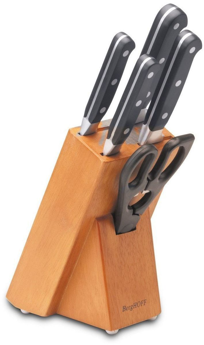Набор кованных ножей BergHOFF, цвет: металлик-черный, 6 предметов1306285Универсальный набор ножей для всех кулинарных задач. Нож для очистки - маленький и легкий, спрямой режущей кромкой. Это по-настоящему универсальный нож, идеальный для очистки идругих мелких работ. Часто используется для очистки фруктов и овощей, которые можно держатьв руках. Нож Сантоку - нож в азиатском стиле с прямой кромкой лезвия. Это универсальный нож дляразличных кухонных работ. Широкое лезвие подходит и для некоторых специфических задач,таких как раздавливание чеснока и сбор нарезанных ингредиентов на лезвие. Поварской нож - самый используемый на кухне. Загнутое кверху лезвие позволяет раскачиватьнож во время нарезки на разделочной доске. Благодаря широкому и тяжелому лезвию такжеподходит для легких разрубочных работ. Универсальные ножницы (для срезания свежей зелени или цветов, а также множества другихзадач). Ручка имеет встроенную открывалку. Состав набора: - нож для очистки овощей 10 см.- нож Сантоку 13 см.- нож Сантоку 18 см.- поварской нож 20 см.- кухонные ножницы 20 см.- колода 11,5 x 6,5 x 21,5 см.