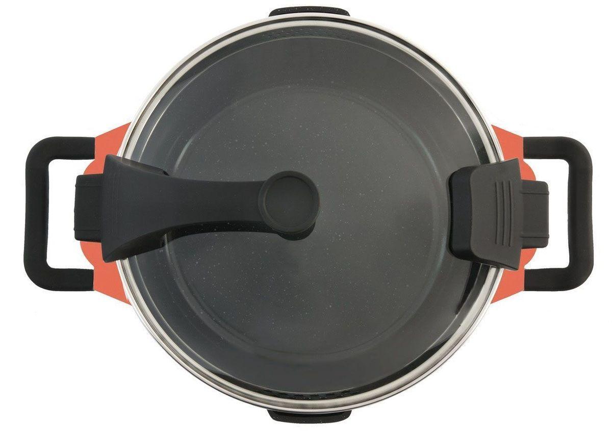 """Сотейник BergHOFF """"Virgo"""" изготовлен из нержавеющей стали. Идеальный выбор для низкожирового подрумянивания пищи, тушения и жарки. Имеет вспомогательную ручку для дополнительного комфорта. Прочный и простой в использовании, с быстрым и равномерным распределением тепла. Благодаря стеклянной крышке можно наблюдать за ингредиентами в кастрюле. Не нужно поднимать крышку, растрачивая энергию и вкусовые качества. Эти большие эргономичные ручки крышки не нагреваются в процессе приготовления.   Причудливое пятнистое внутреннее фернокерамическое покрытие экологично и нетоксично с отличными антипригарными свойствами, позволяет готовить с минимальным количеством жиров или совсем без них. Это покрытие имеет также высокую устойчивость к царапинам и упрощает чистку."""