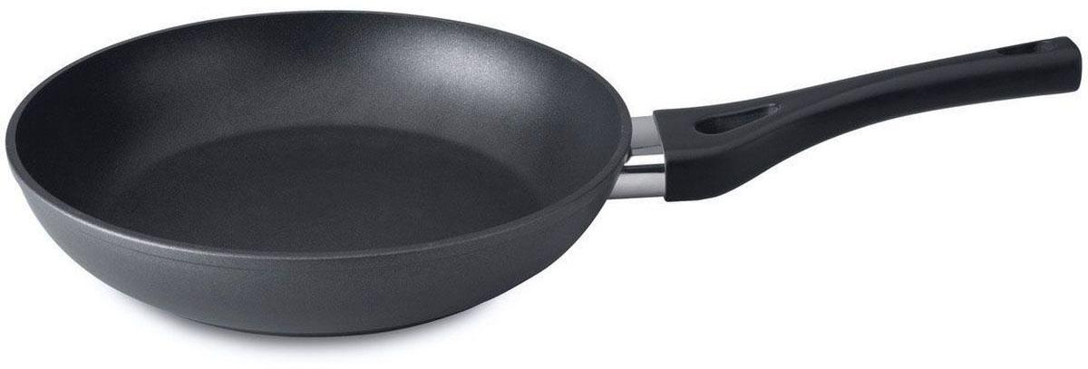 Сковорода BergHOFF Straight, с антипригарным покрытием, цвет: черный. Диаметр 24 см. 34000113400011Сковорода с антипригарным покрытием BergHOFF Straight необходима для ежедневного использования, делает возможной жарку с минимальным количеством жира или без него, для заботящихся о здоровье кулинаров. Идеальная высокопроизводительная сковорода для различных кулинарных задач: жарки мяса, птицы, омлетов, яичниц и многого другого. Прочная и простая в использовании сковорода BergHOFF Straight с быстрым и равномерным распределением тепла. Идеально подходит для жарки с минимальным количеством жиров или без них. Многослойное и армированное, свободное от ПФОК антипригарное покрытие для удобного извлечения пищи и легкой чистки. Не содержит ни свинца, ни кадмия. Не нагревающиеся ручки для дополнительного комфорта и безопасности. На ручке имеется вставка, дополнительно предохраняющая от перегревания.Диаметр: 24 см.