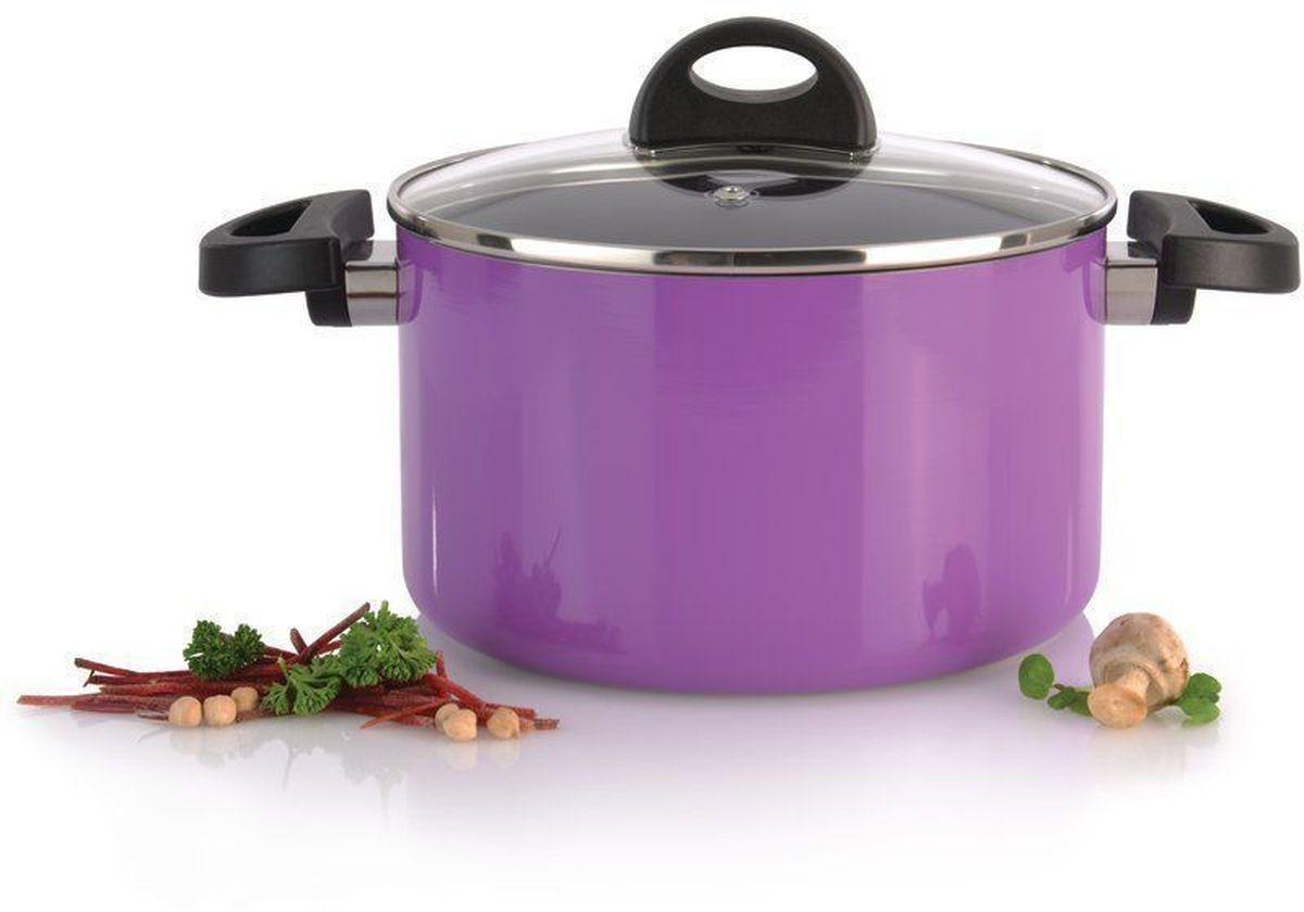 Кастрюля BergHOFF Eclipse, с крышкой, 3,7 л,цвет: фиолетовый3700145Прочная и простая в использовании посуда с быстрым и равномерным распределением тепла. Многослойное и армированное, антипригарное покрытие для удобного извлечения пищи и легкой чистки. Не содержит ни свинца, ни кадмия. Крышка обеспечивает эффективное закрытие: тепло сохраняется внутри кастрюли, что приводит к более быстрому разогреву, три вентиляционных отверстия предотвращают выплескивание. Благодаря стеклянной крышке можно наблюдать за ингредиентами в кастрюле. Не нужно поднимать крышку, растрачивая энергию и вкусовые качества. Ненагревающиеся ручки для дополнительного комфорта и безопасности.Кастрюля подходит для всех типов плит. Рекомендуется мытье вручную.