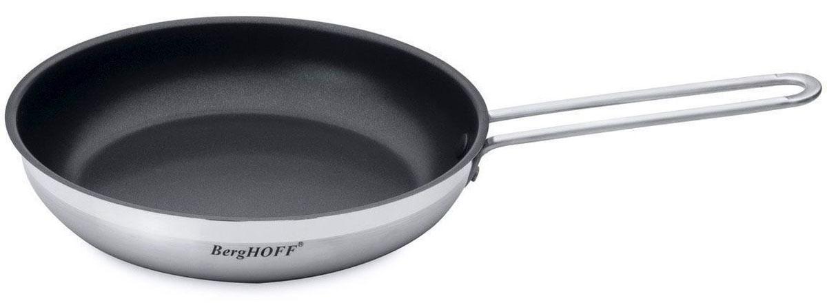 """Сковорода BergHOFF """"Bistro"""" изготовлена из нержавеющей стали. Имеет трехслойное капсульное дно. Для классического приготовления.Специальный обод позволяет наливать, не капая. Антипригарное покрытие идеально для здорового приготовления пищи: используйте так мало масла, как вы хотите.  Подходит для мытья в посудомоечной машине.   Подходит для использования во всех видах плит.   Объем: 1,9 л.  Диаметр: 24 см."""