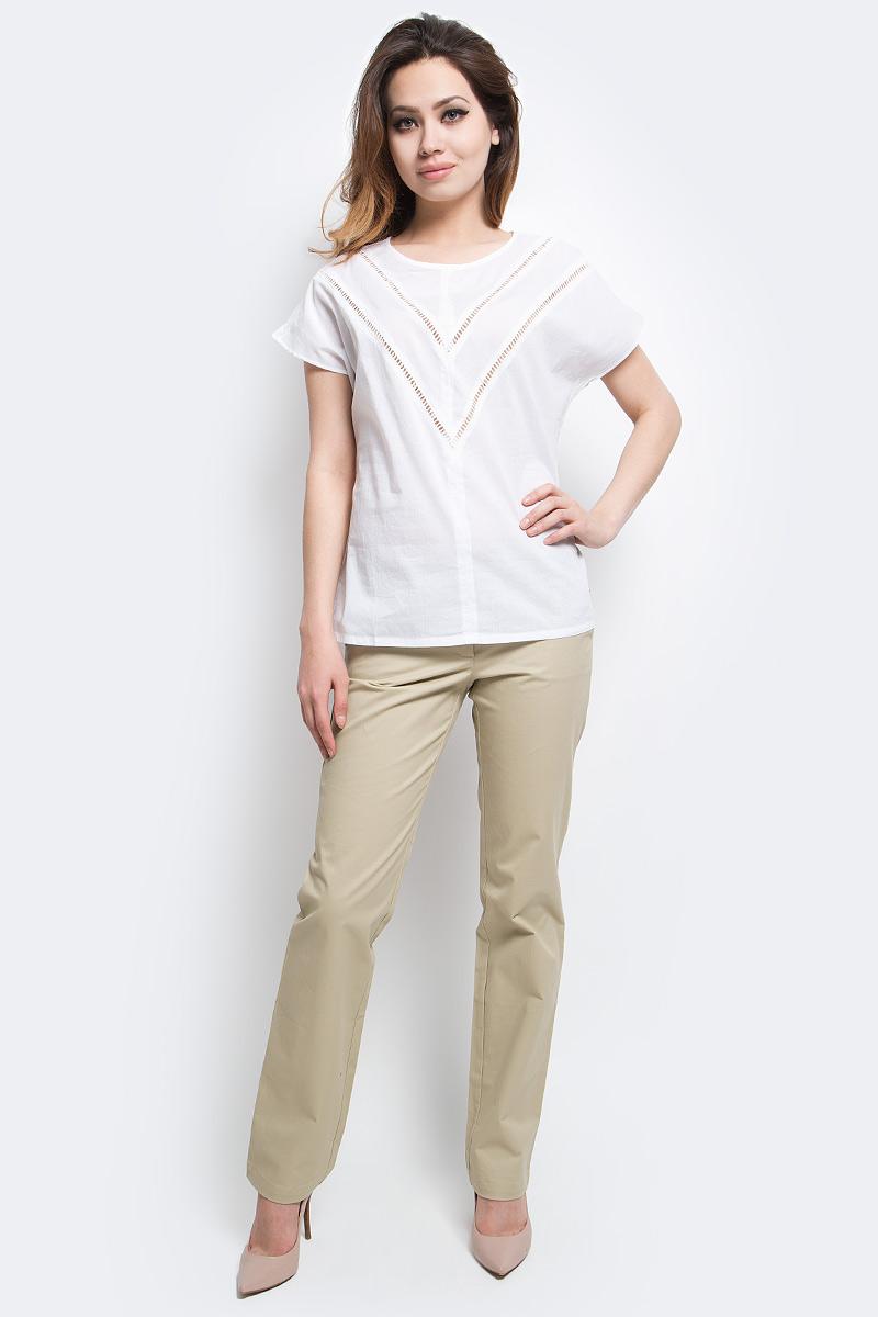 Блузка женская Finn Flare, цвет: белый. S17-12025_201. Размер XXL (52)S17-12025_201Блузка женская Finn Flare выполнена из натурального хлопка. Модель с круглым вырезом горловины и короткими рукавами.