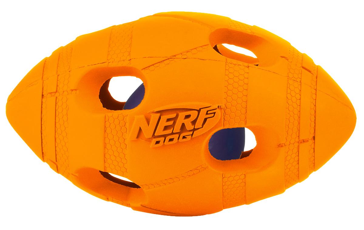 Игрушка для собак Nerf Мяч для регби, светящийся, цвет: оранжевый, синий, 10 см22644Мяч-регби Nerf состоит из двух слоев прочной резины с отверстиями и LED-лампой внутри.LED при ударе начинает мигать, что приводит собаку в восторг, вдохновляя на игру.Оптимально для игры в темное время суток.Подходит собакам с мощной челюстью.Мяч имеет интересный рельефный рисунок.Размер S: 10 см.