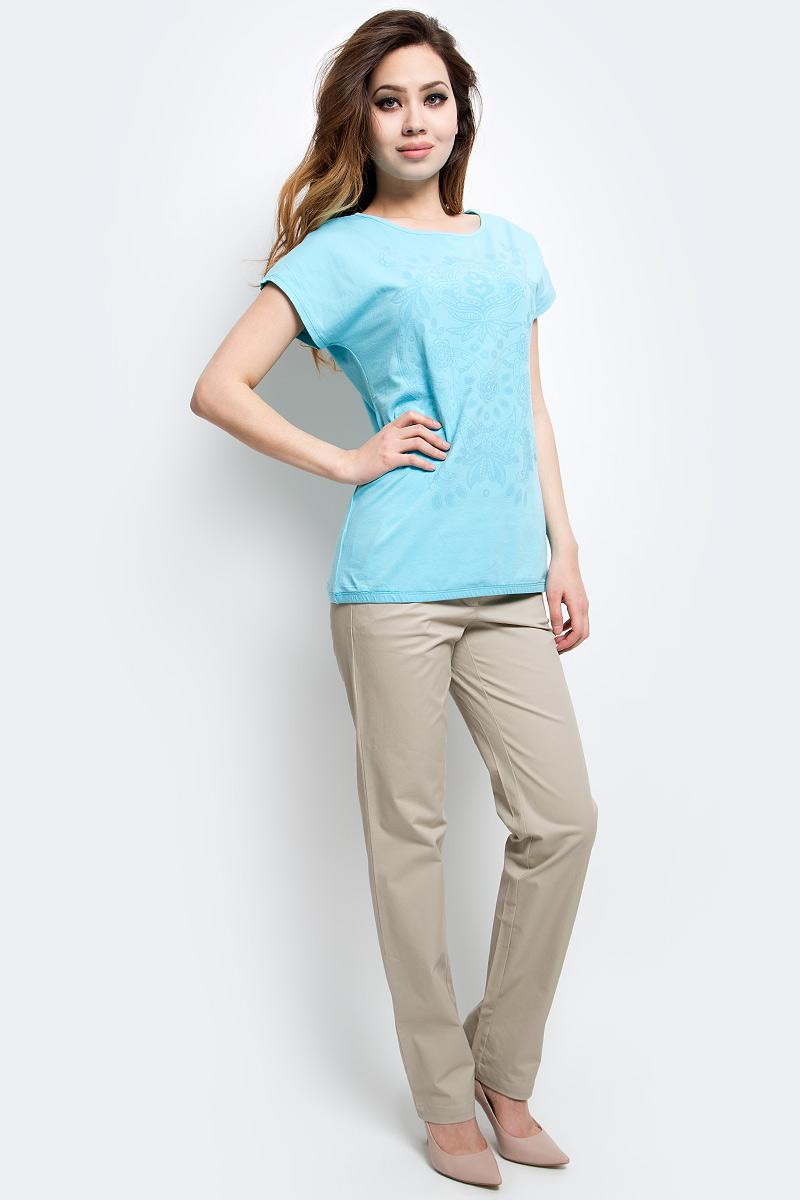 Брюки женские Finn Flare, цвет: светло-бежевый. S17-11047_702. Размер M (46)S17-11047_702Стильные женские брюки Finn Flare станут отличным дополнением к вашему гардеробу. Модель изготовлена из хлопка и эластана, она великолепно пропускает воздух и обладает высокой гигроскопичностью. Застегиваются брюки на пуговицу и ширинку на застежке-молнии. На поясе имеются шлевки для ремня. Эти модные и в тоже время удобные брюки помогут вам создать оригинальный современный образ. В них вы всегда будете чувствовать себя уверенно и комфортно.
